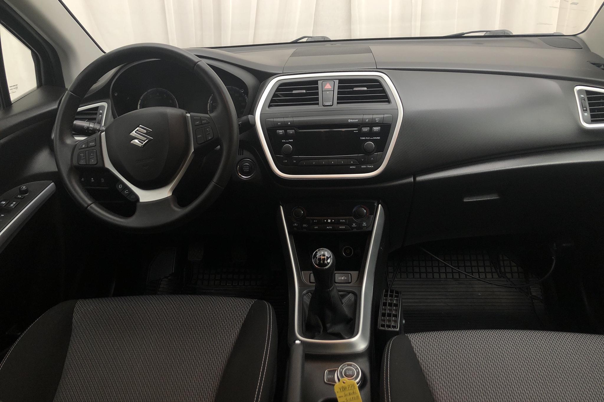 Suzuki S-Cross 1.6 4x4 (120hk) - 24 920 km - Manual - white - 2016