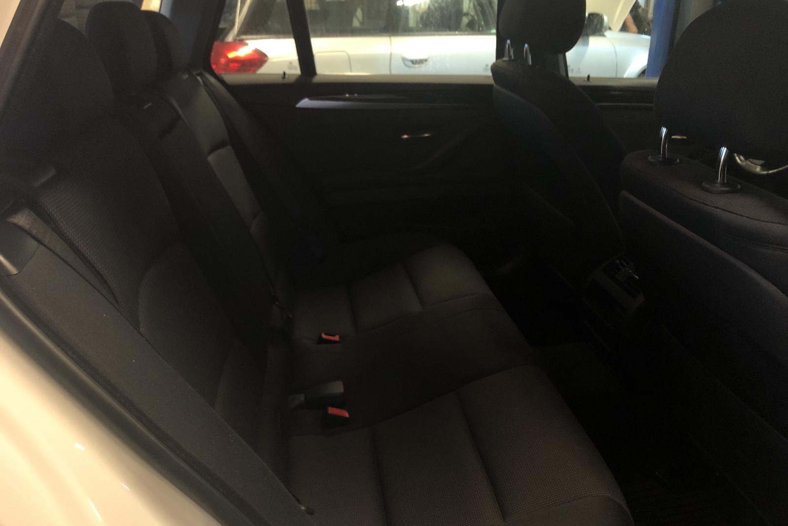 BMW 520d xDrive Touring, F11 (190hk) - 124 760 km - Automatic - white - 2015