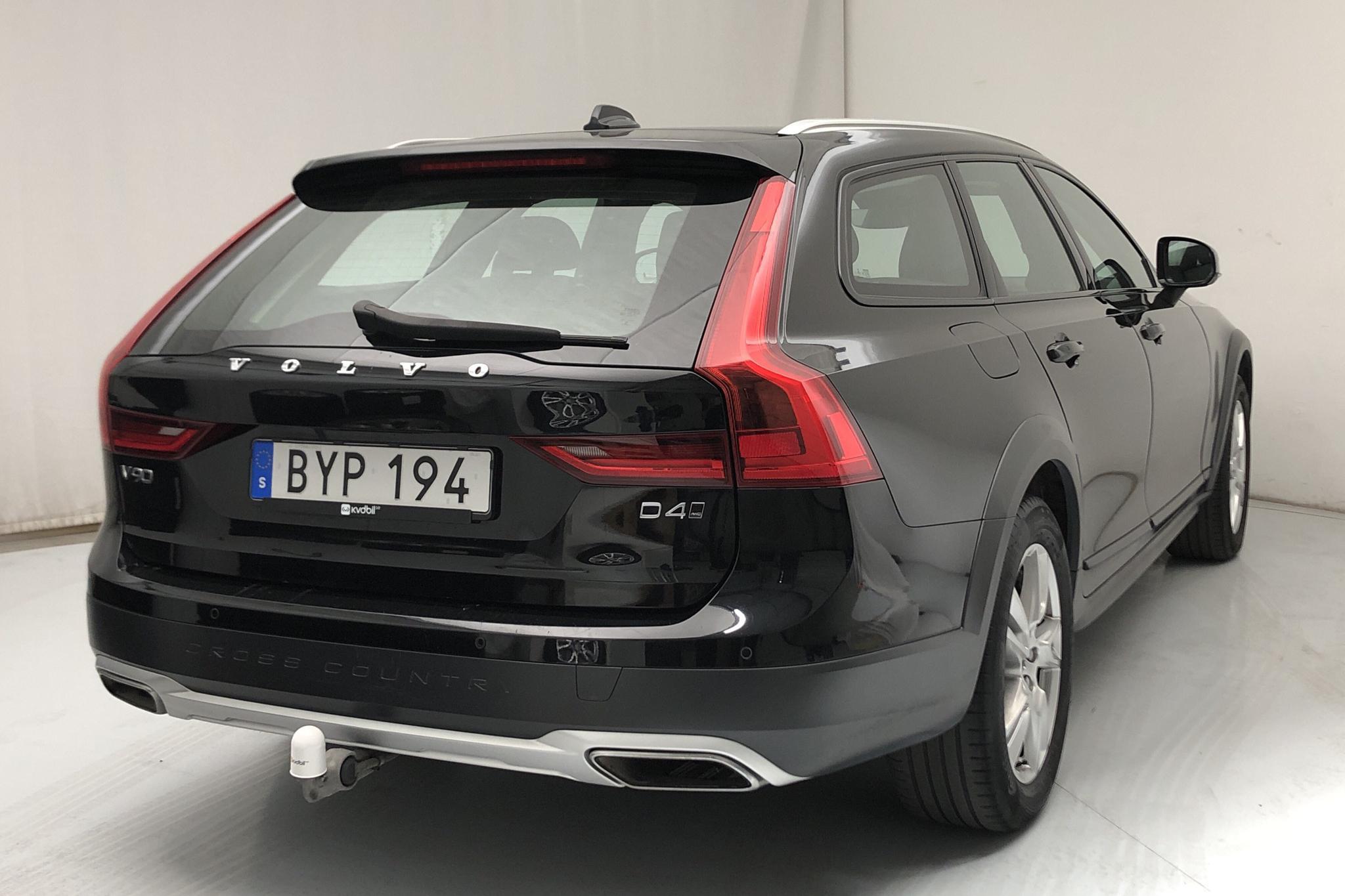 Volvo V90 D4 Cross Country AWD (190hk) - 56 220 km - Automatic - black - 2018