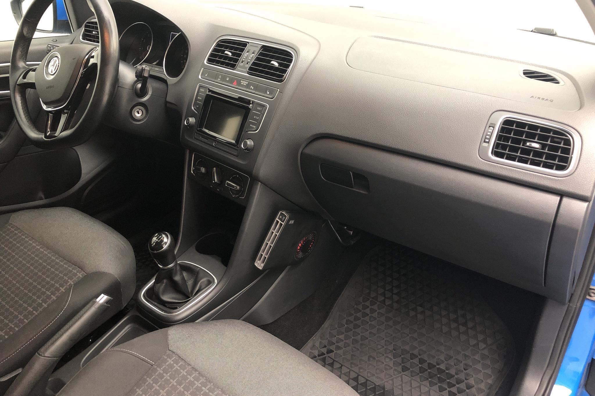 VW Polo 1.2 TSI 5dr (90hk) - 57 300 km - Manual - blue - 2016