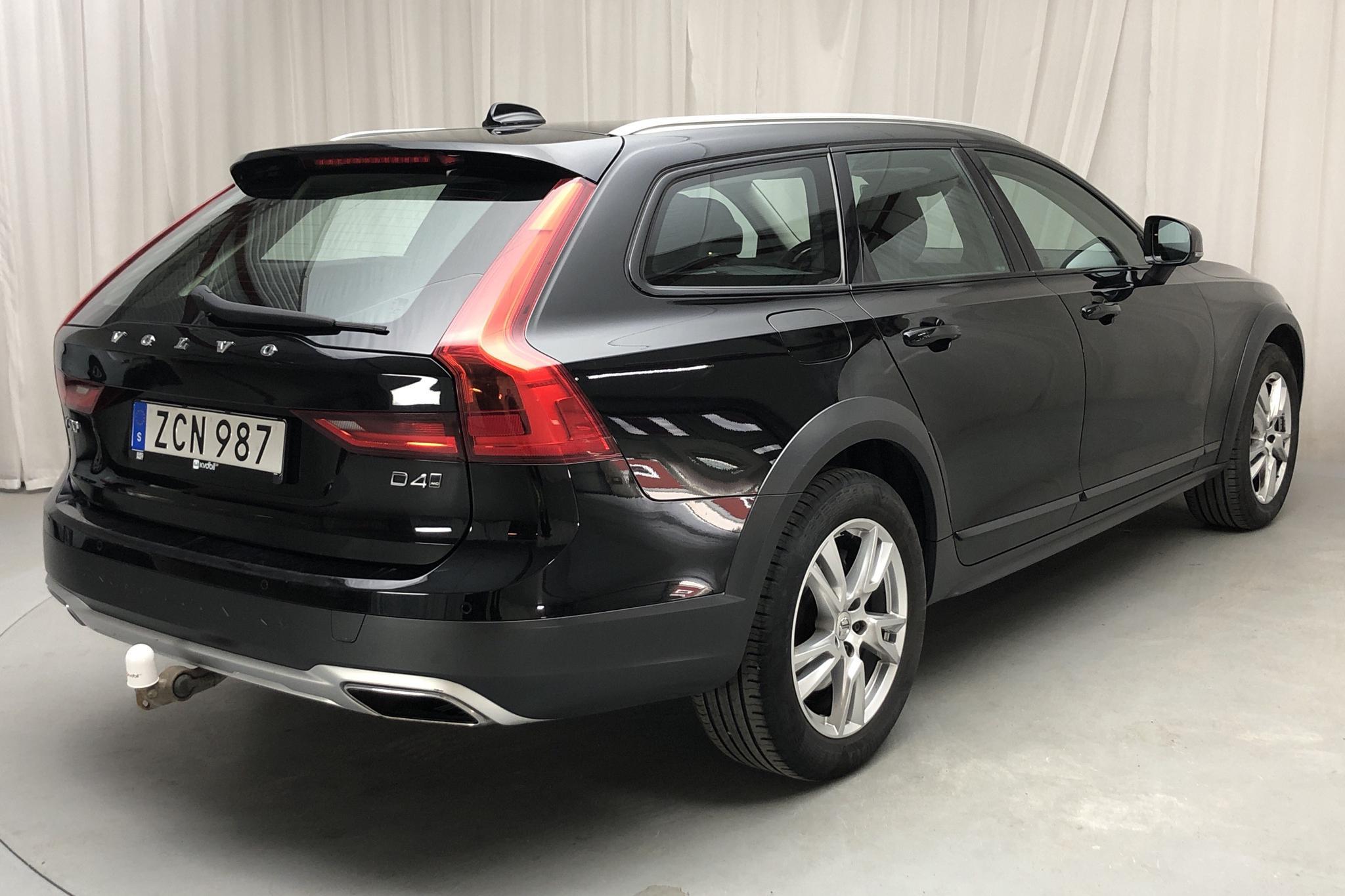 Volvo V90 D4 Cross Country AWD (190hk) - 225 840 km - Automatic - black - 2018