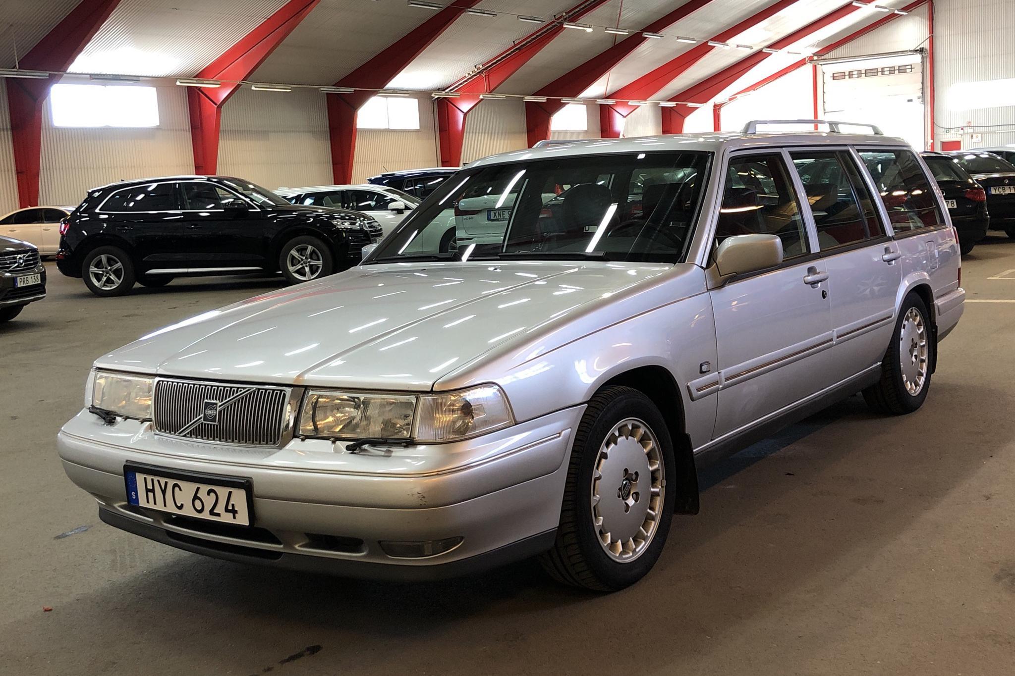 Volvo 965 2.5 (170hk) - 22 084 mil - Automat - Light Grey - 1997