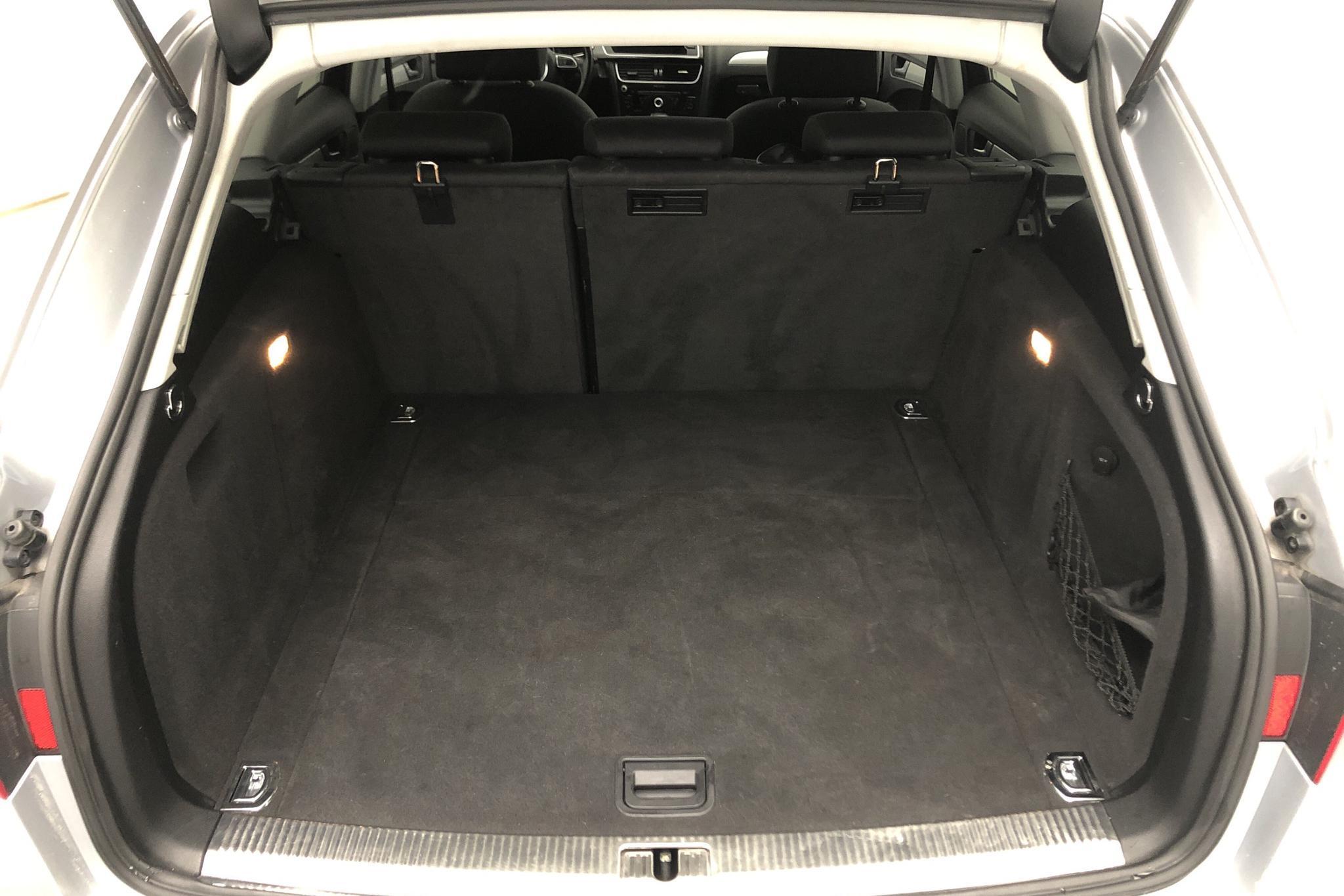 Audi A4 2.0 TDI clean diesel Avant quattro (190hk) - 8 613 mil - Automat - silver - 2015
