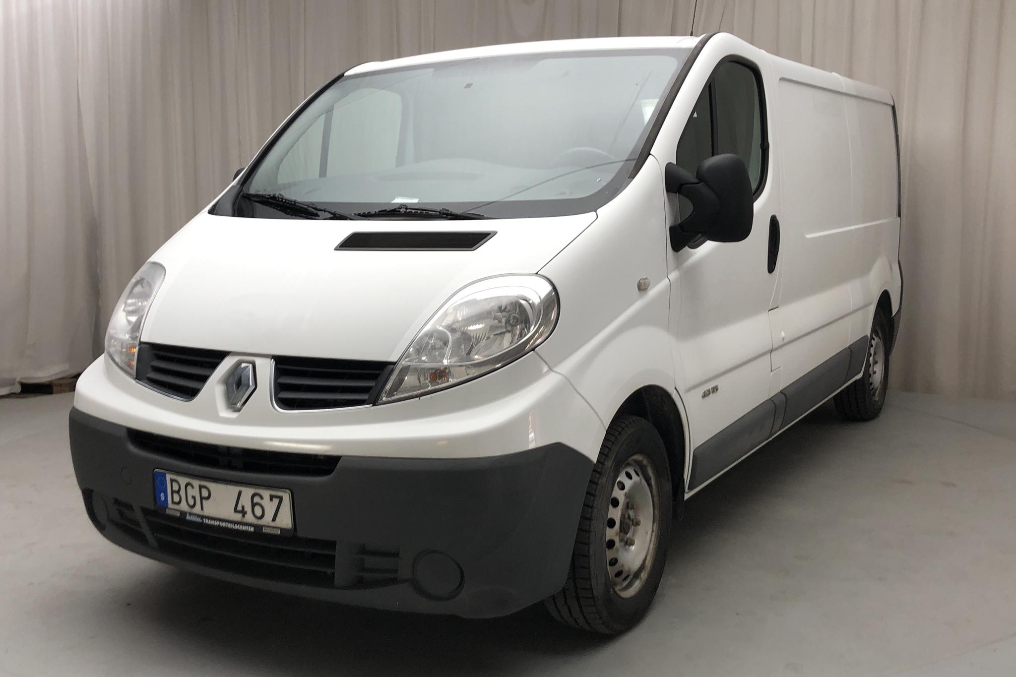 Renault Trafic 2.0 dCi Skåp/Buss (115hk) - 17 432 mil - Manuell - vit - 2013