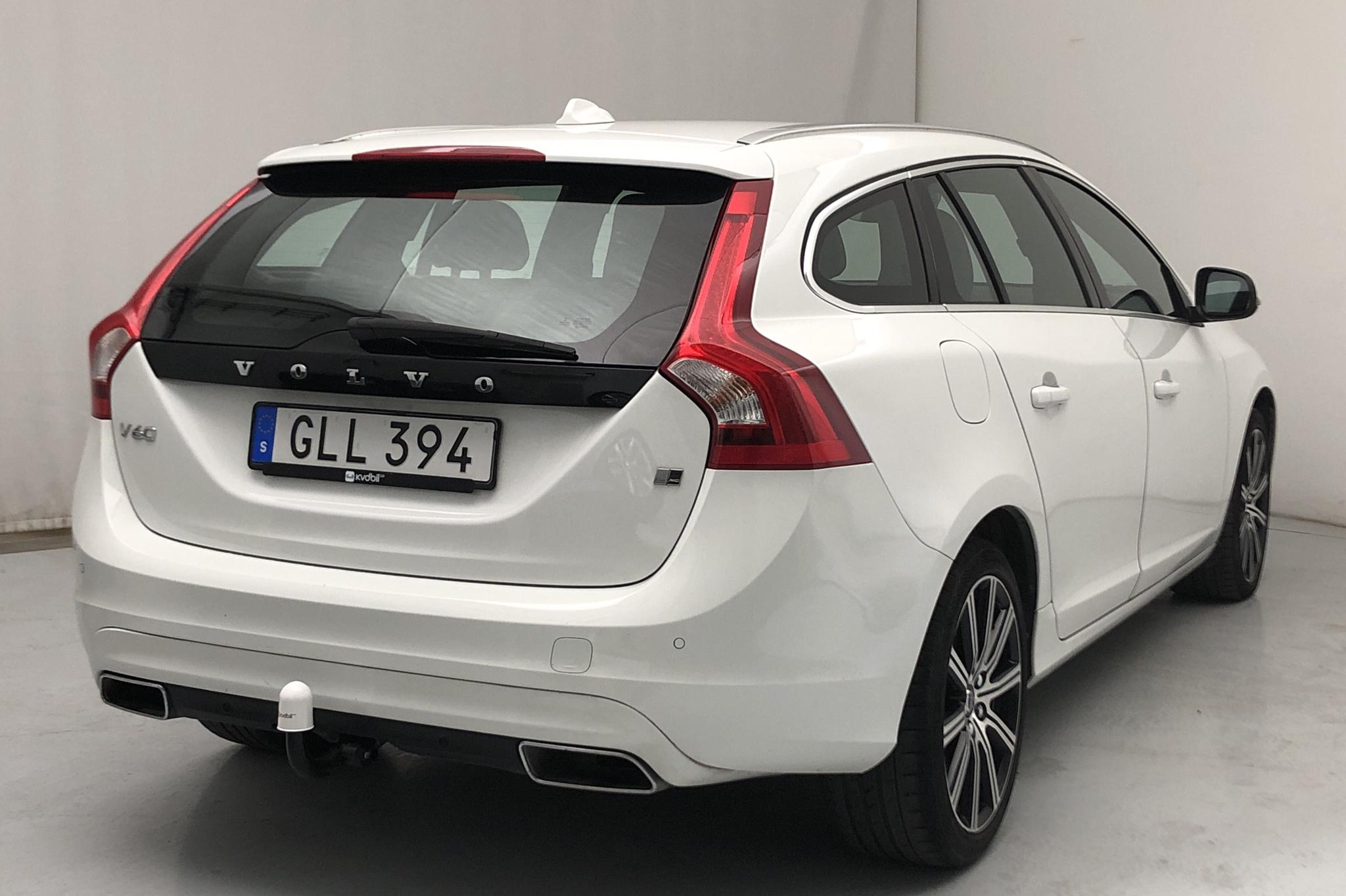 Volvo V60 D4 AWD (190hk) - 63 130 km - Automatic - white - 2018