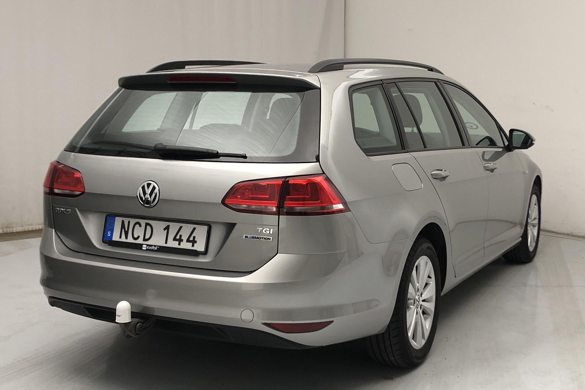 VW Golf VII 1.4 TGI BlueMotion Sportscombi (110hk) - 3 445 mil - Manuell - silver - 2016