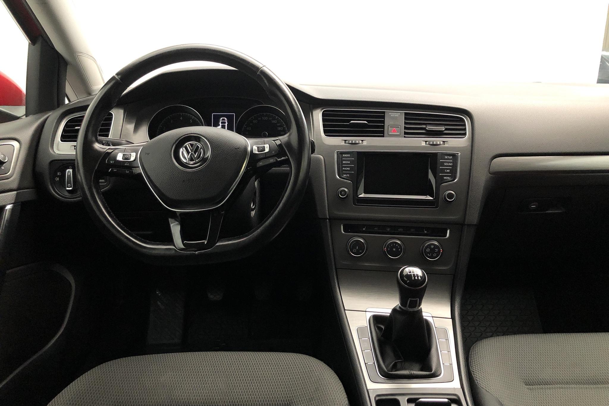 VW Golf VII 1.4 TSI Multifuel 5dr (122hk) - 204 220 km - Manual - red - 2014