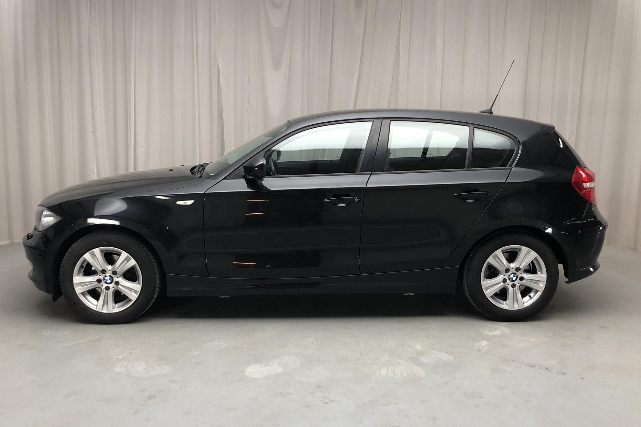 BMW 118d 5dr, E87 (143hk) - 161 240 km - Manual - black - 2010