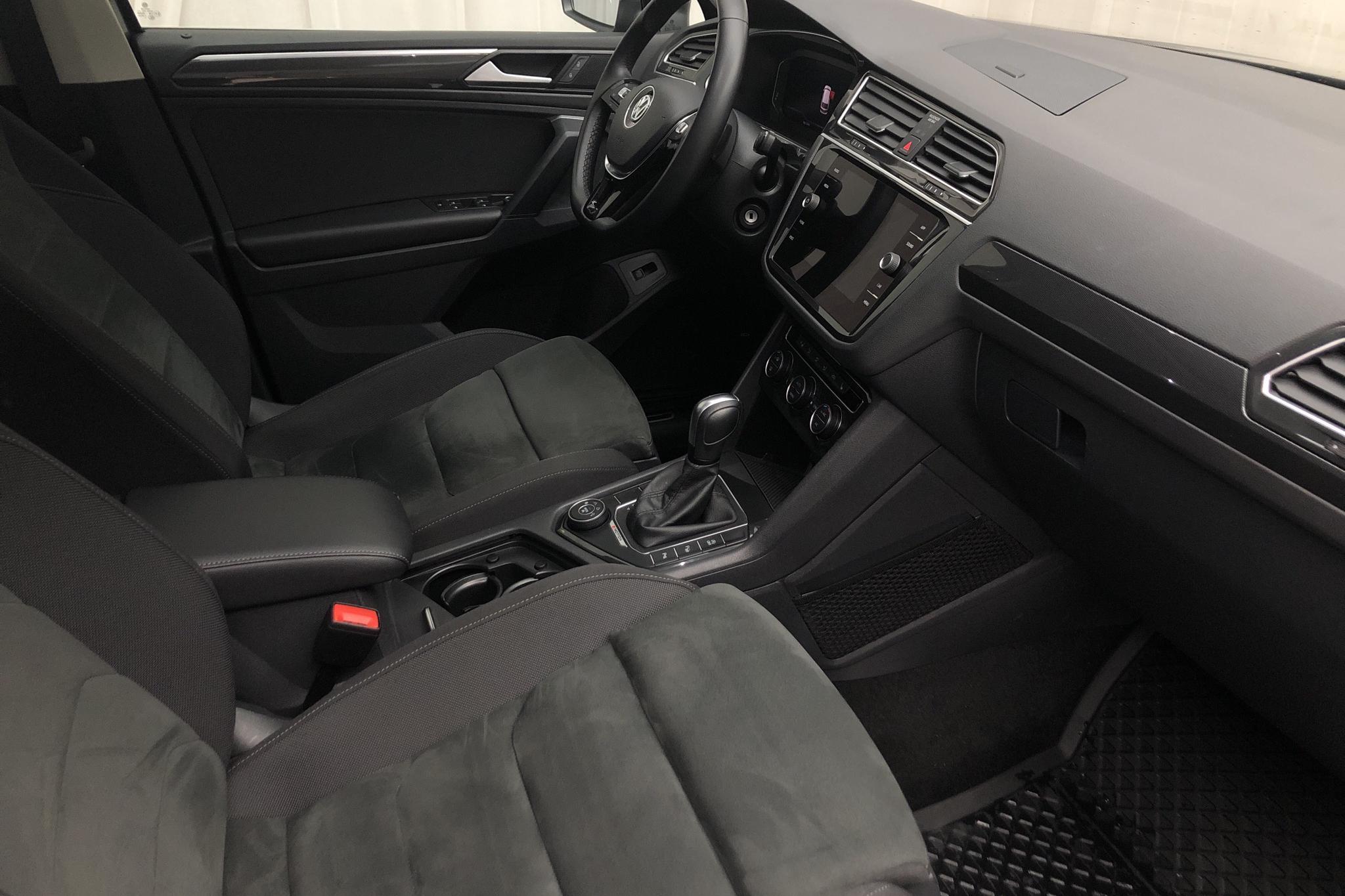 VW Tiguan 2.0 TDI 4MOTION (190hk) - 6 655 mil - Automat - grå - 2020