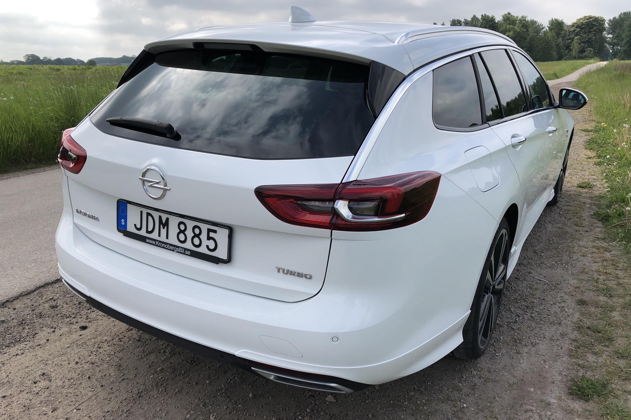 Opel Insignia 1.5 Turbo Sports Tourer (165hk) - 42 270 km - Automatic - white - 2018