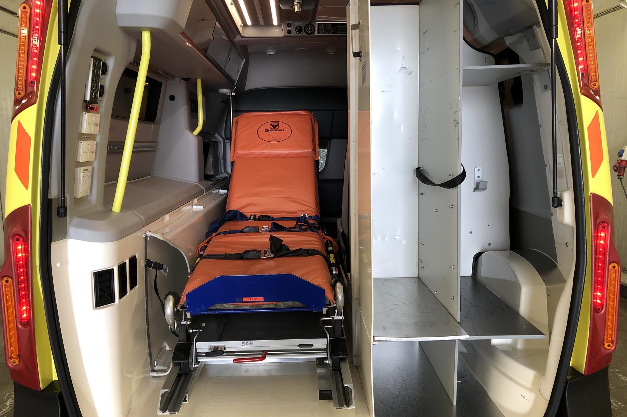 Nilsson V70 Ambulans D5 AWD (215hk) - 540 760 km - Automatic - 2015