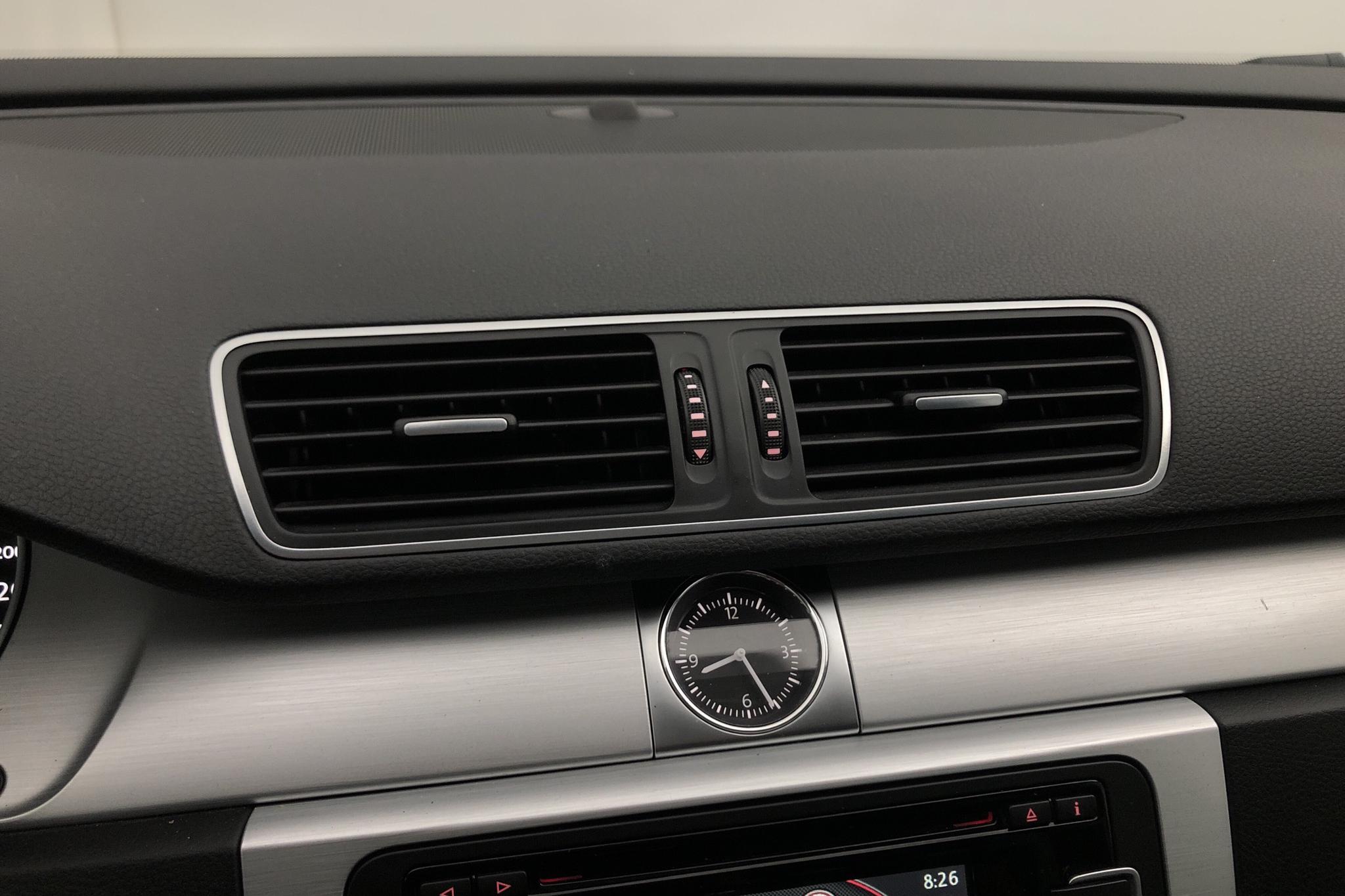 VW Passat Alltrack 2.0 TDI BlueMotion Technology 4Motion (177hk) - 186 030 km - Automatic - white - 2015
