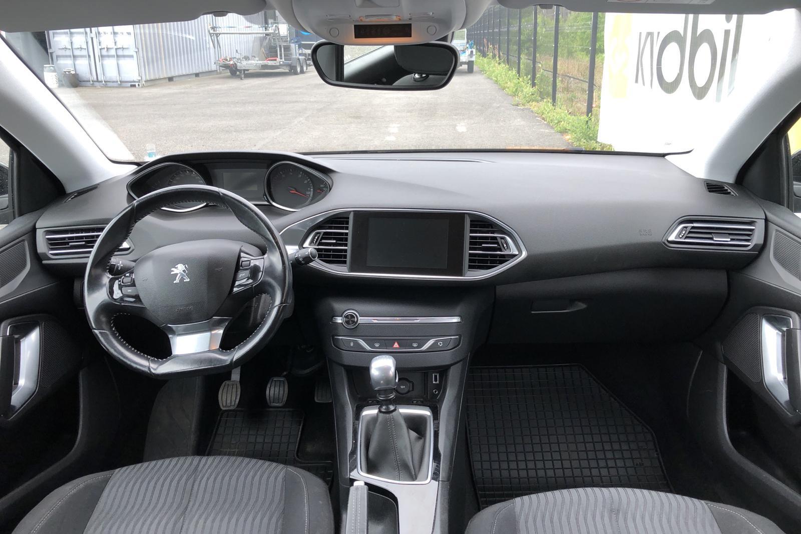 Peugeot 308 SW PureTech (130hk) - 74 320 km - Manual - black - 2015