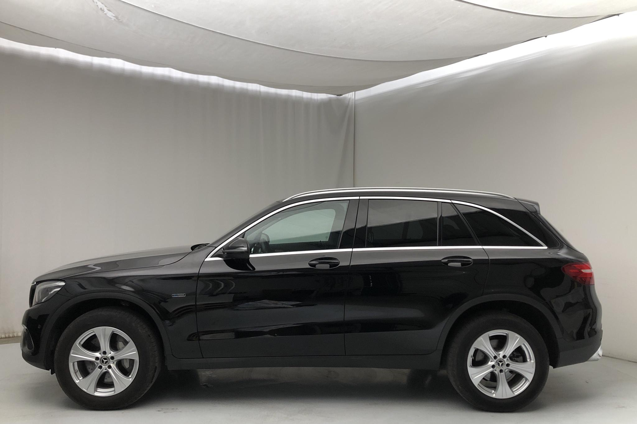 Mercedes GLC 350 e 4MATIC X253 (211hk) - 8 862 mil - Automat - svart - 2018
