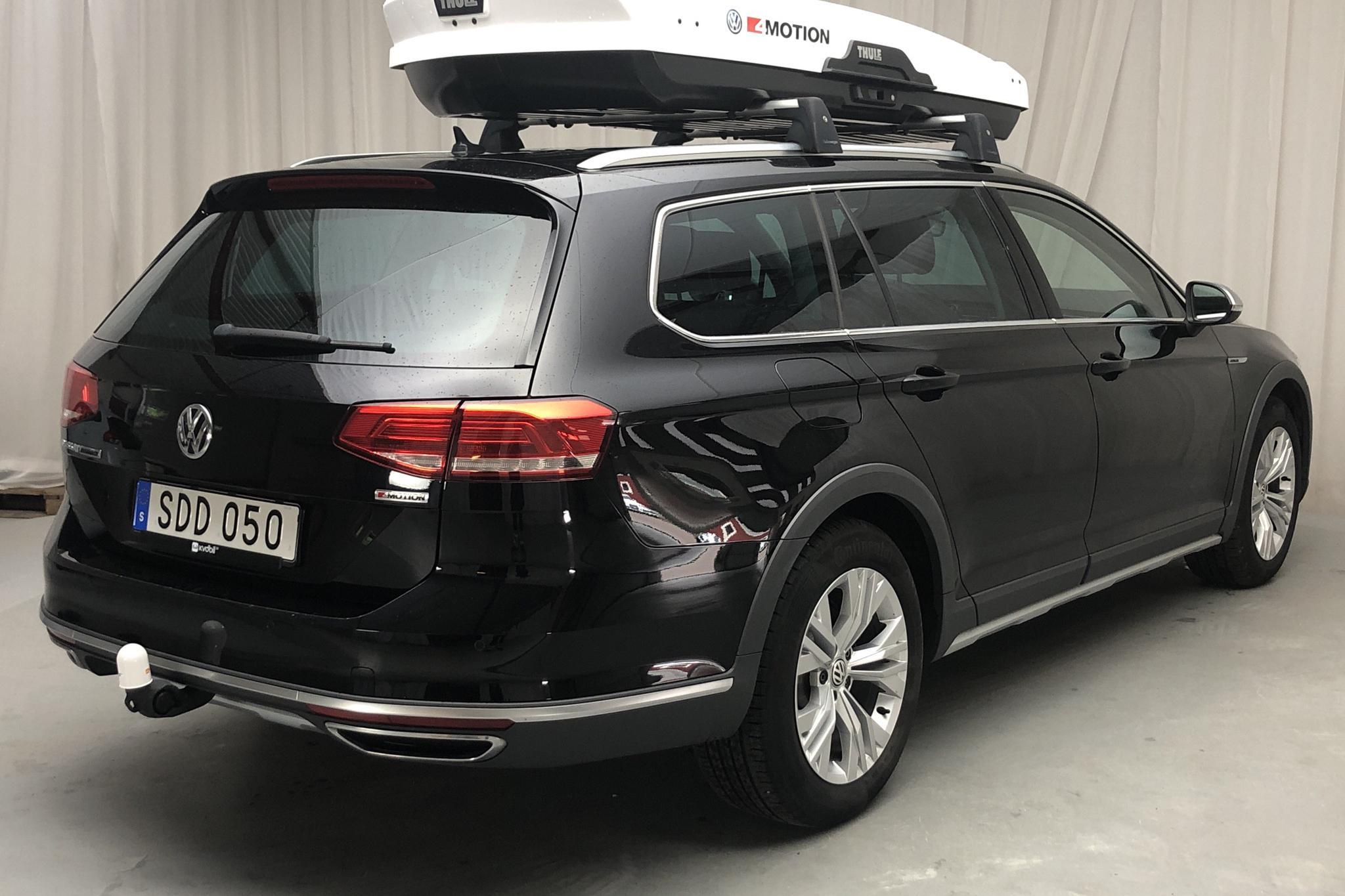 VW Passat Alltrack 2.0 TDI Sportscombi 4MOTION (190hk) - 3 916 mil - Automat - svart - 2018