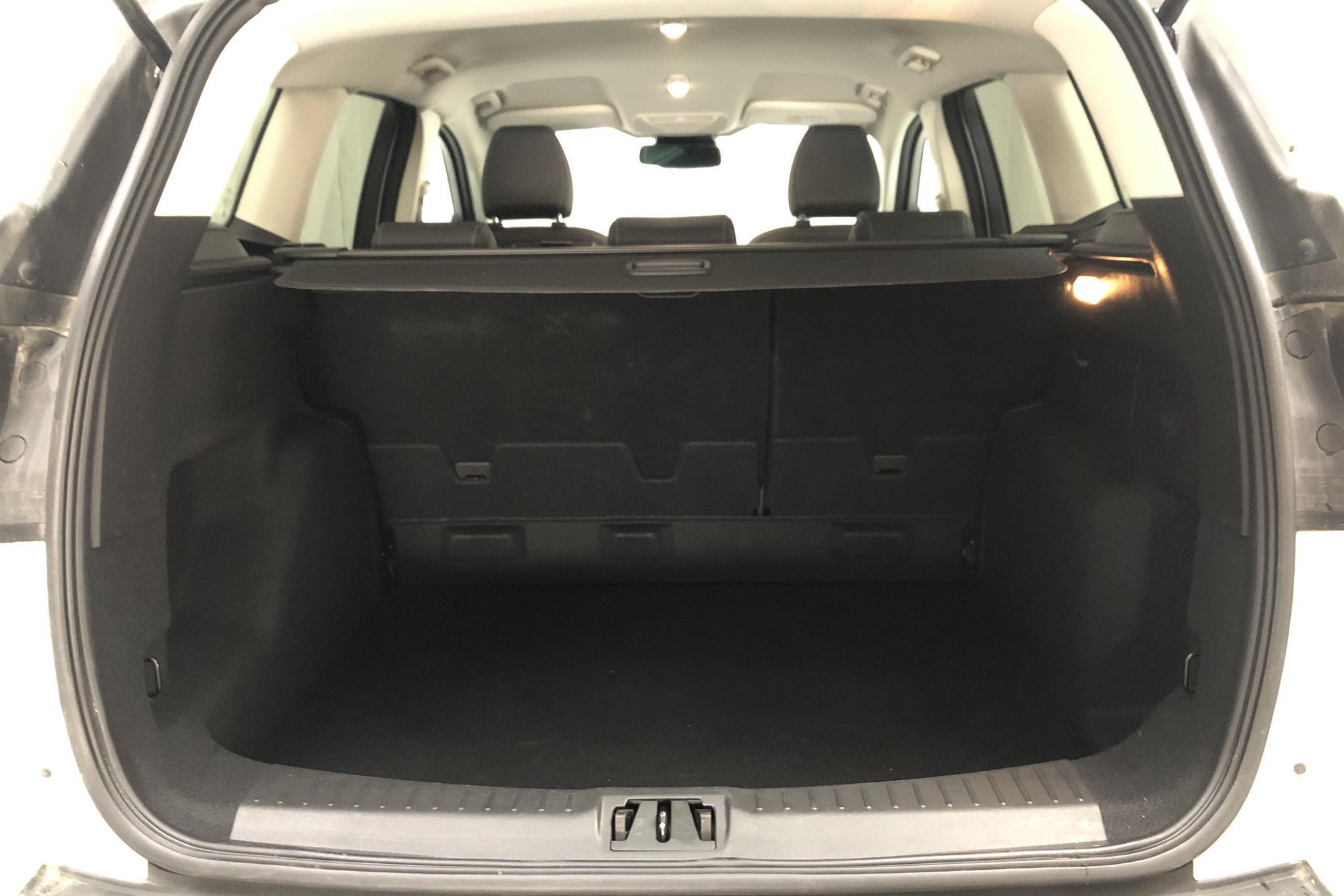 Ford Kuga 1.5 TDCi 2WD (120hk) - 8 158 mil - Automat - vit - 2018