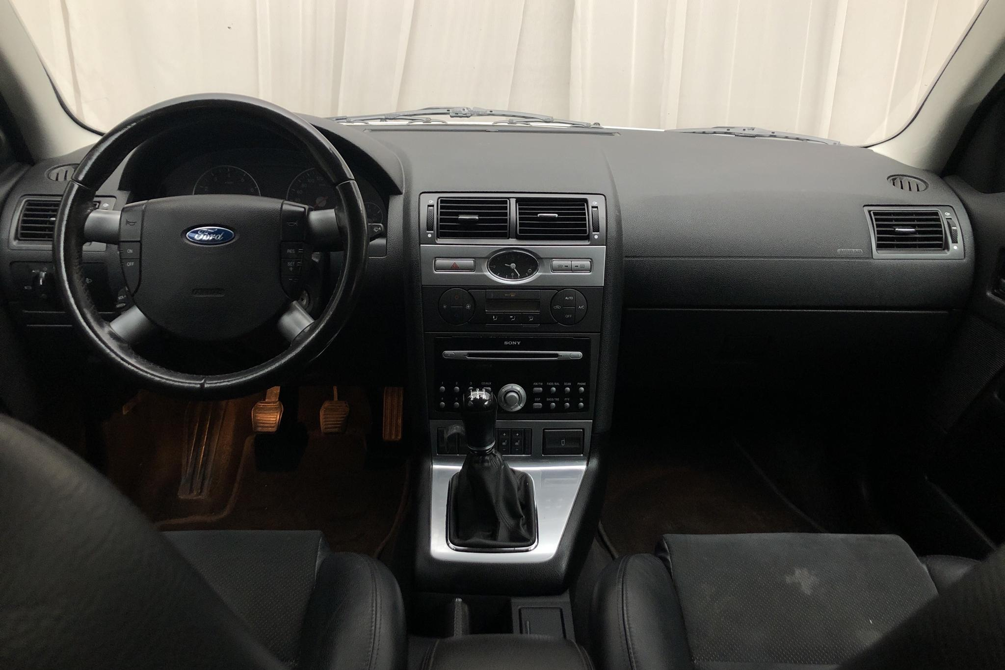 Ford Mondeo 2.0 Kombi (145hk) - 21 023 mil - Manuell - grå - 2007