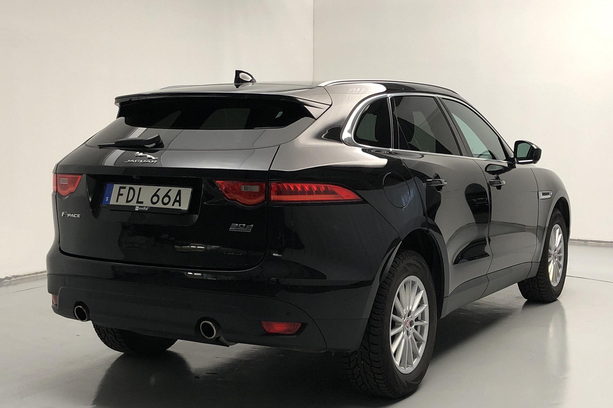 Jaguar F-Pace 3.0D V6 AWD (300hk) - 2 988 mil - Automat - svart - 2020
