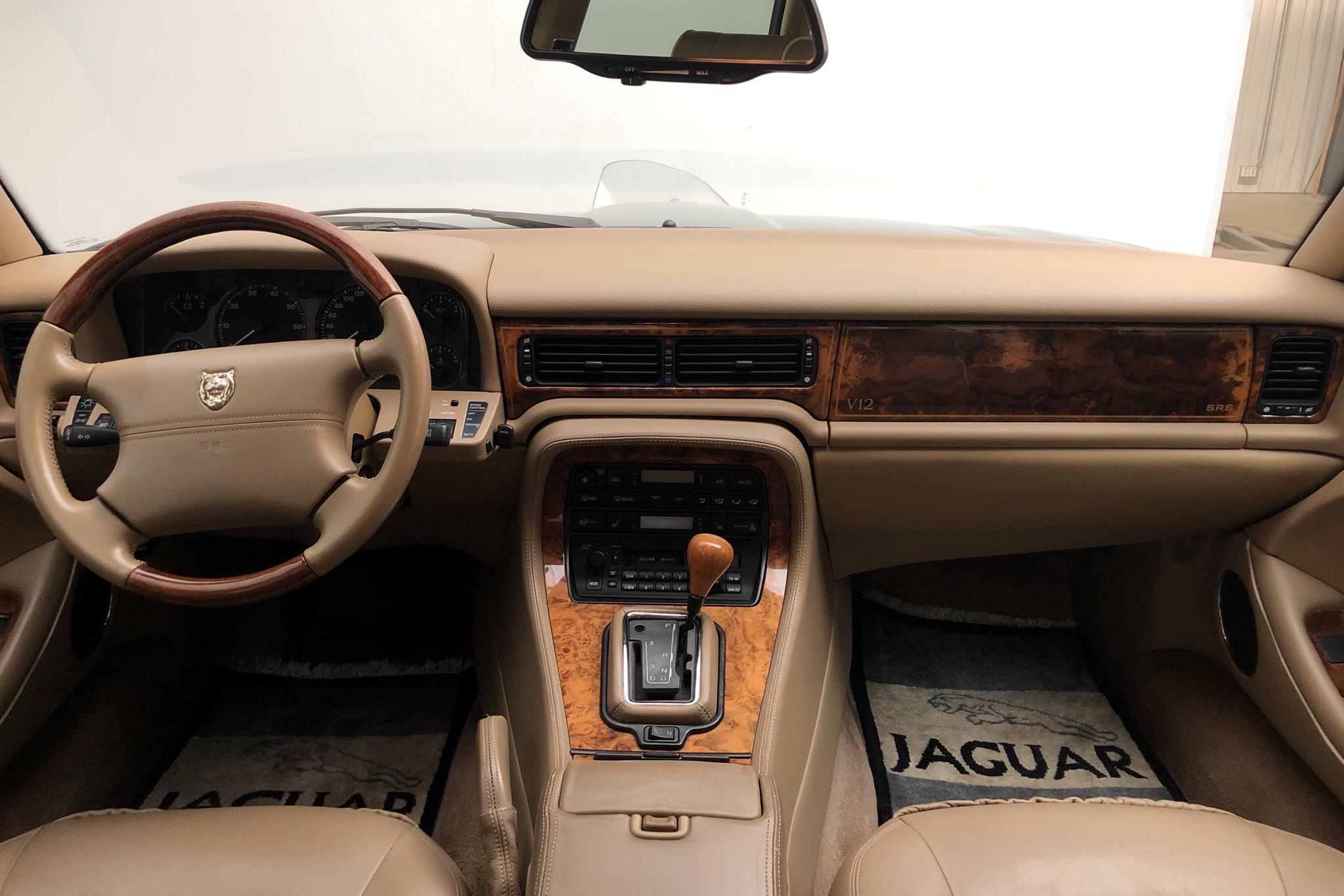 Jaguar XJ 12 6.0 (320hk) - 9 806 mil - Automat - Dark Green - 1995