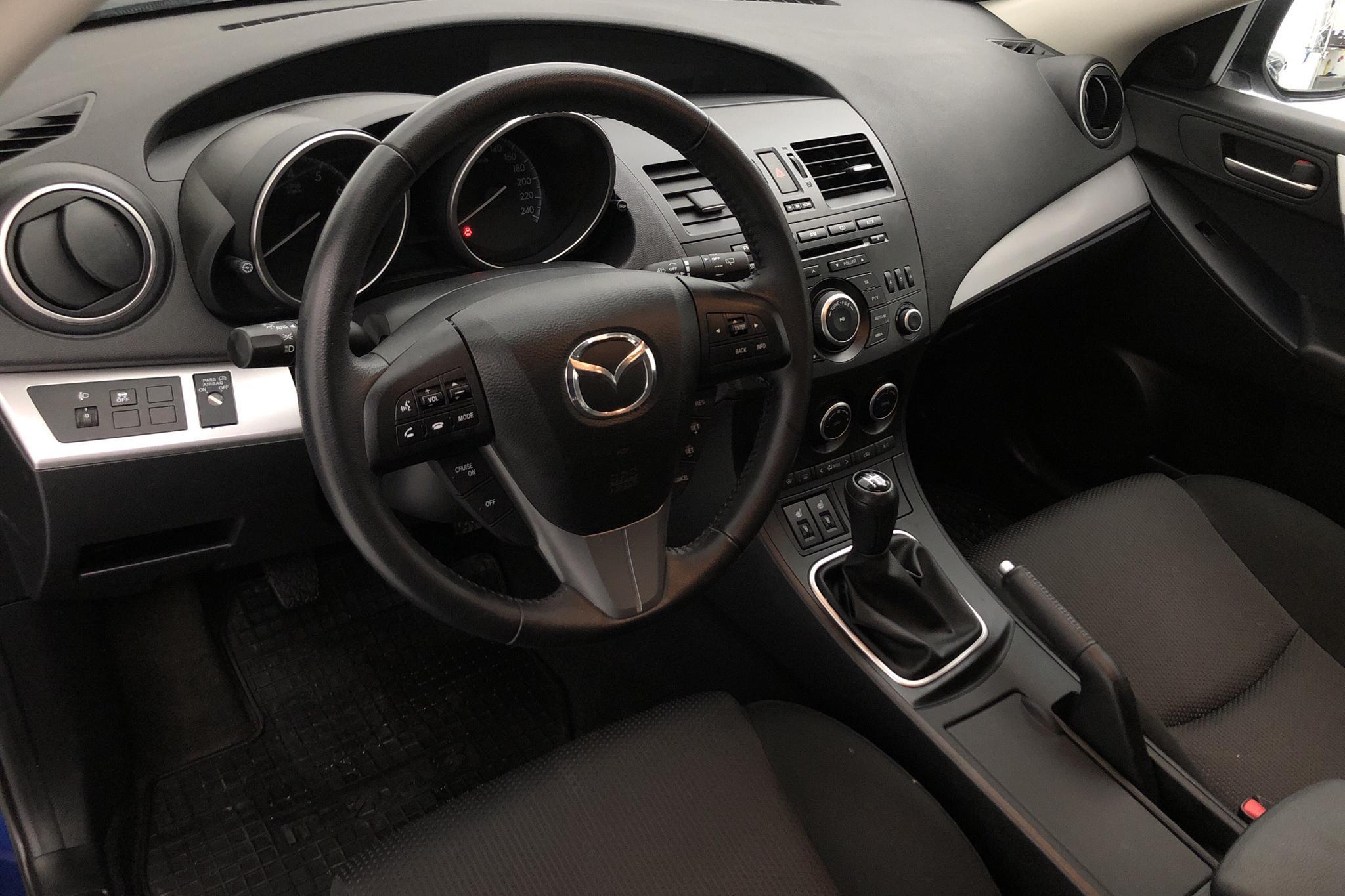 Mazda 3 1.6 5dr (105hk) - 3 101 mil - Manuell - blå - 2012