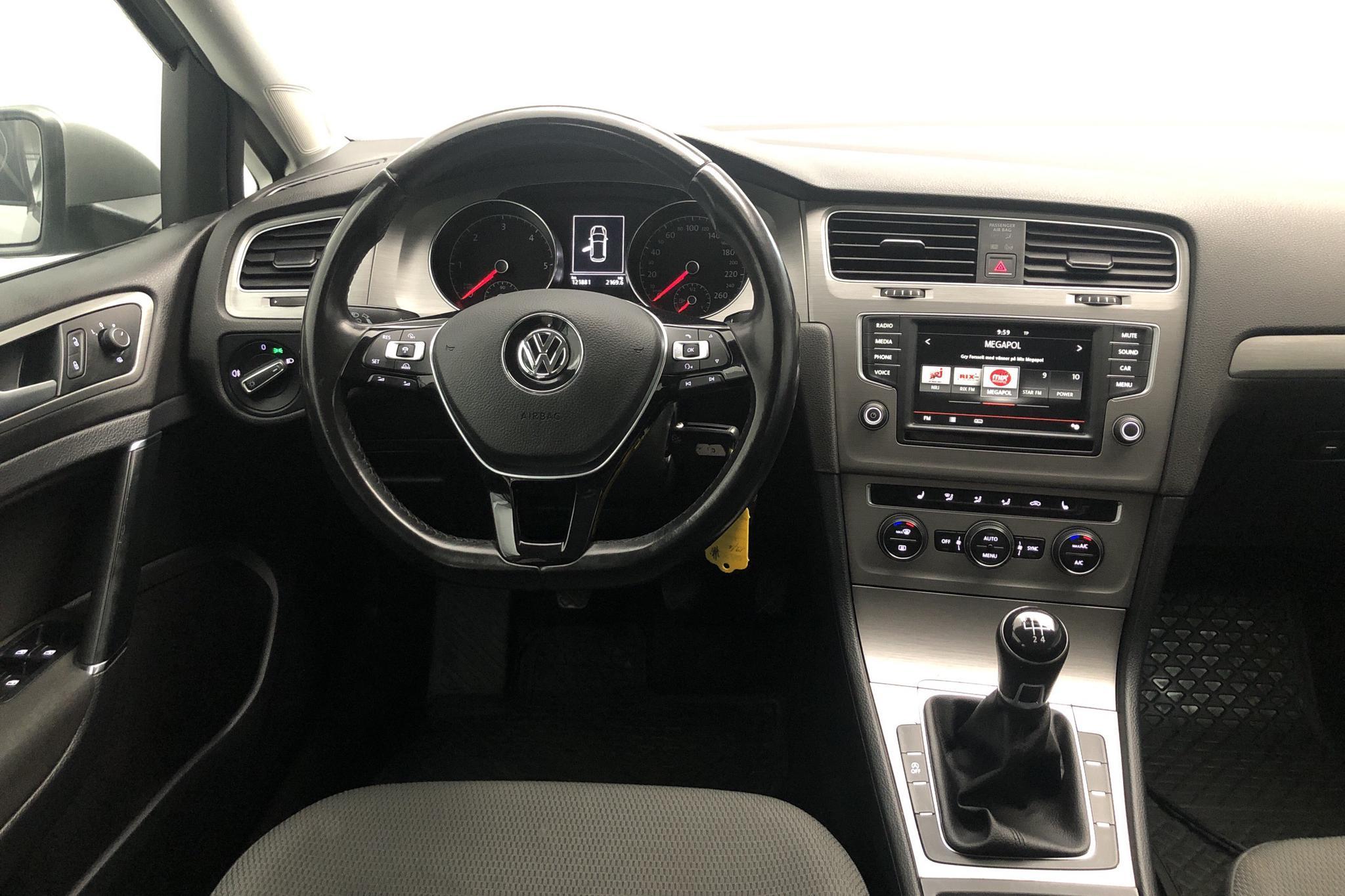 VW Golf VII 1.6 TDI BlueMotion 5dr (110hk) - 12 187 mil - Manuell - silver - 2016
