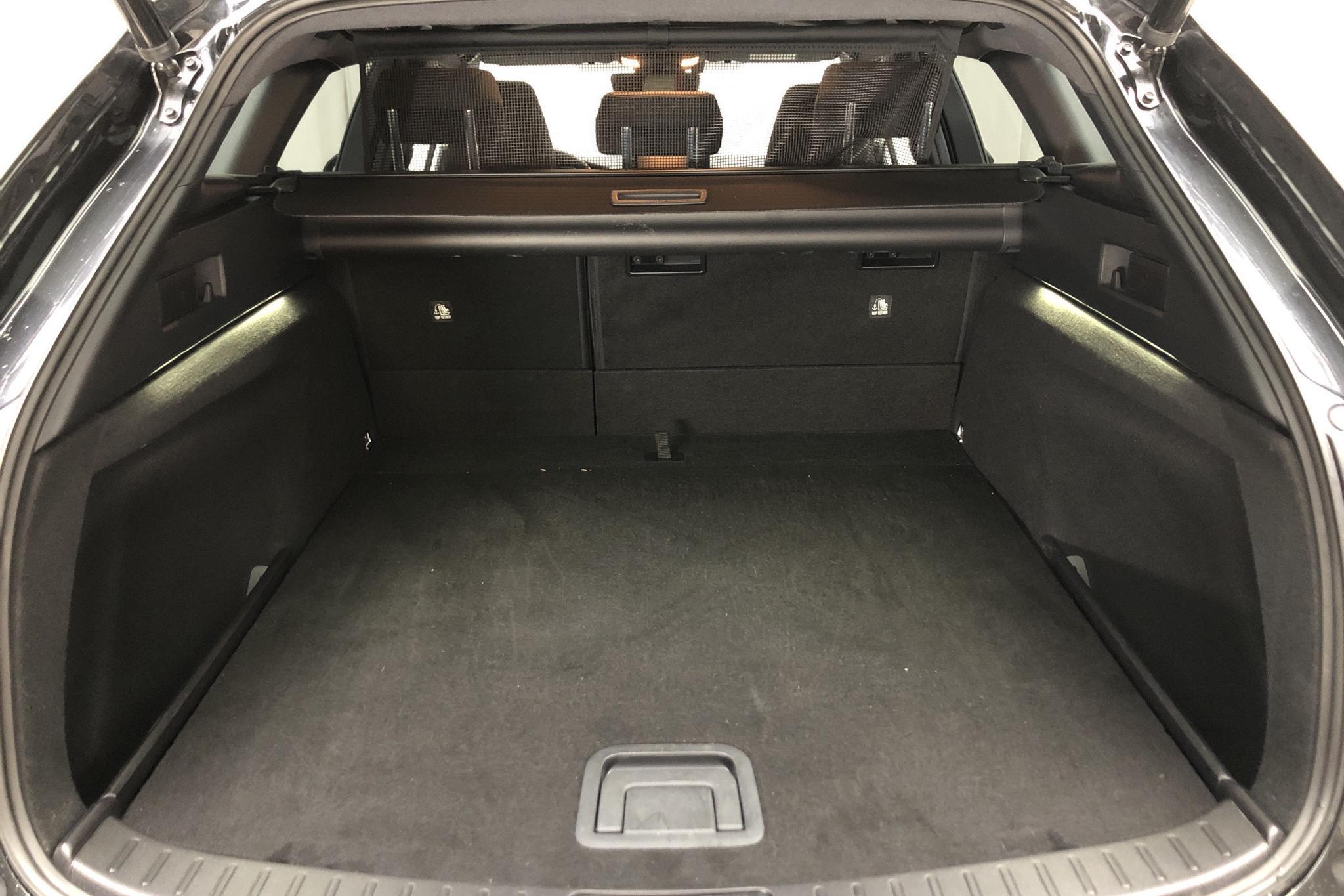 Toyota Corolla 1.8 Hybrid Touring Sports (122hk) - 1 054 mil - Automat - svart - 2020