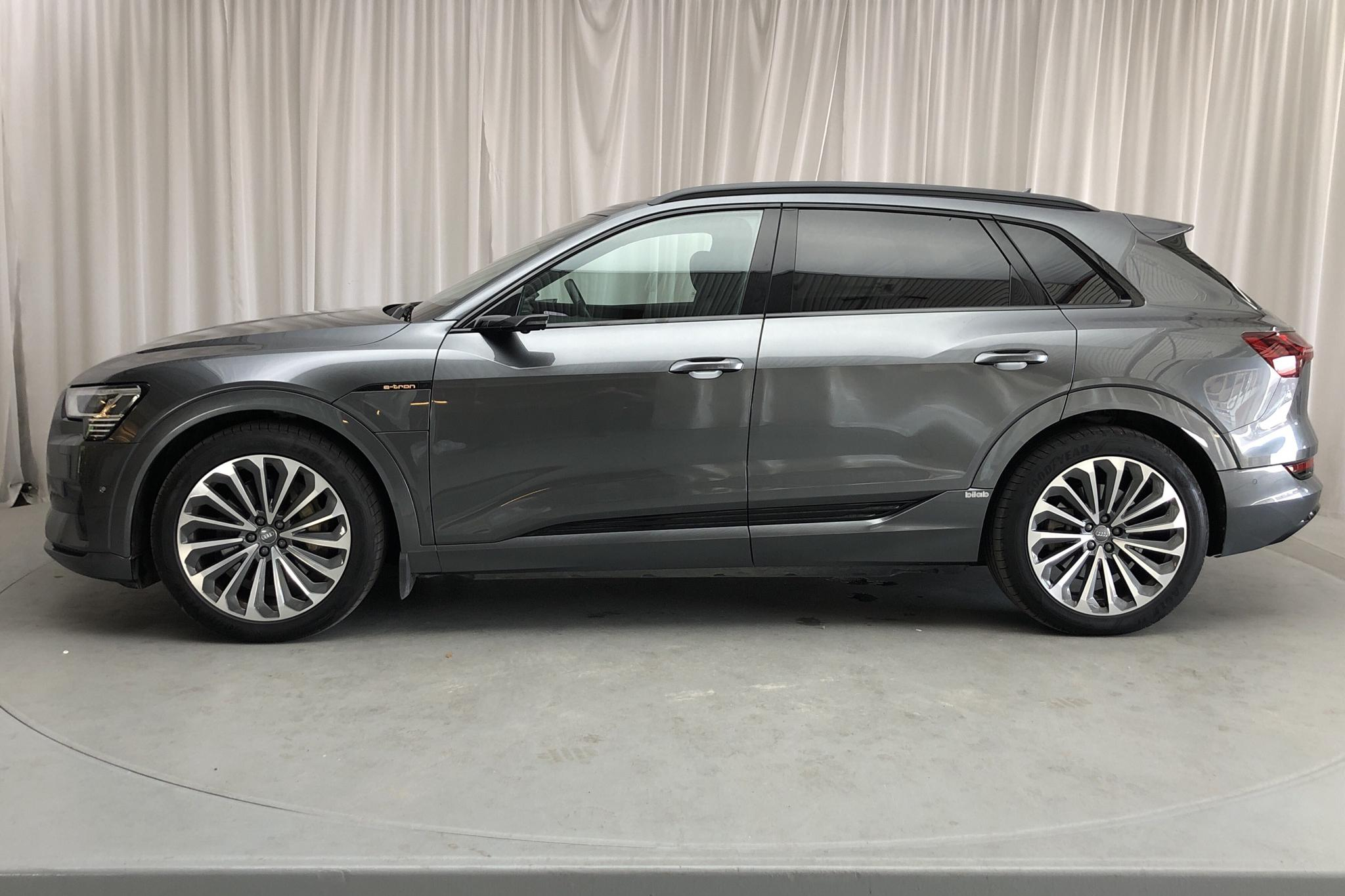 Audi e-tron 55 quattro 95 kWh (360hk) - 26 720 km - Automatic - gray - 2020
