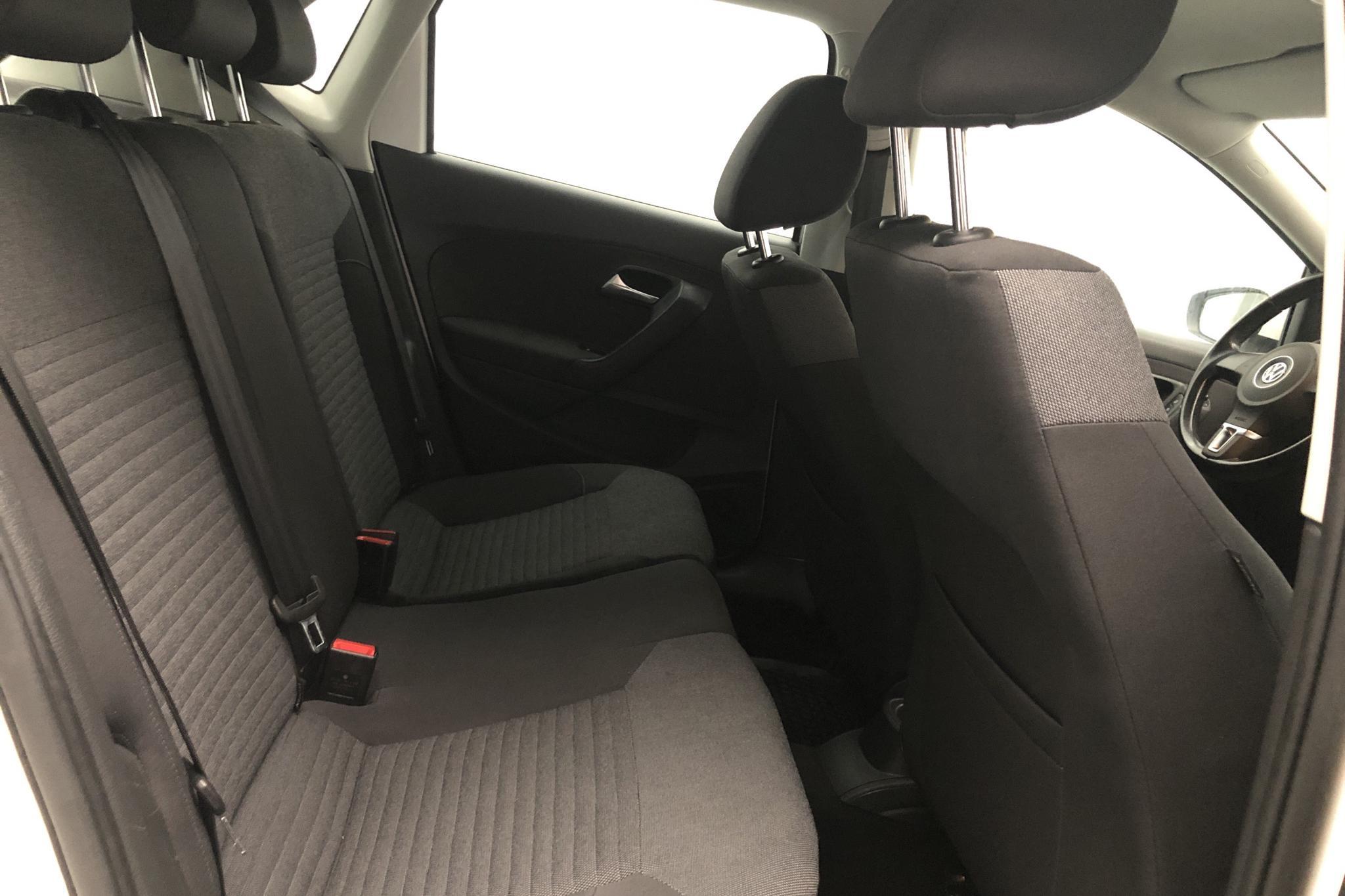 VW Polo 1.6 TDI 5dr (90hk) - 17 692 mil - Manuell - vit - 2010