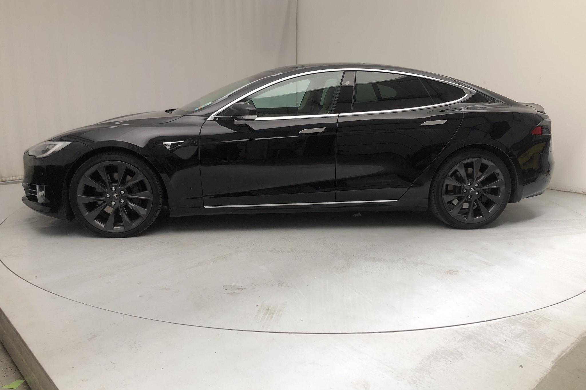 Tesla Model S 100D - 8 116 mil - Automat - svart - 2018