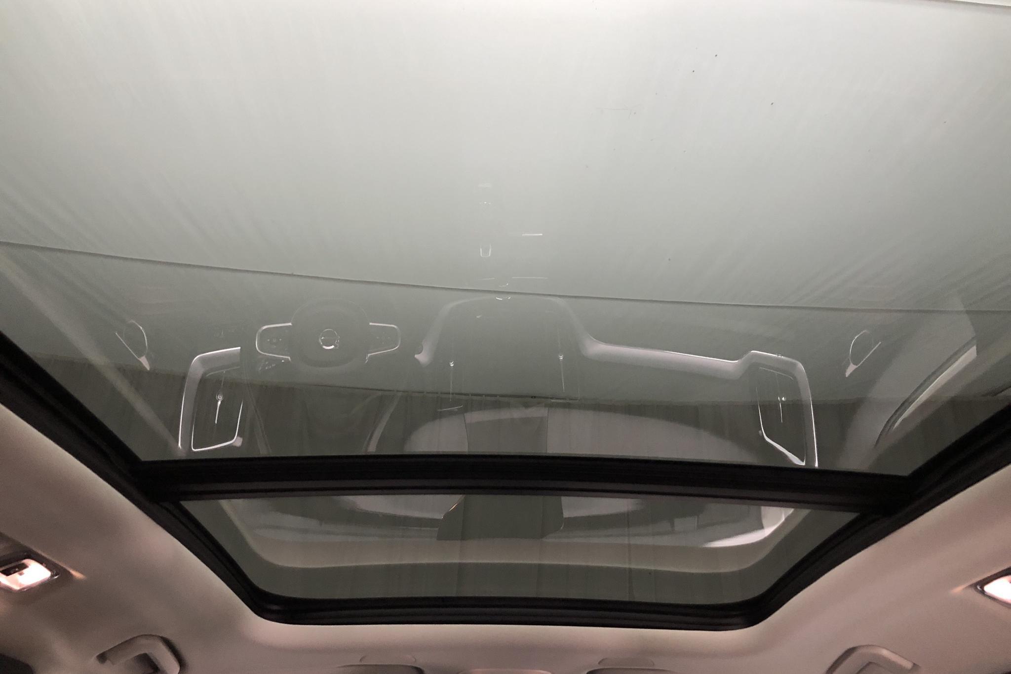 Volvo XC60 T8 AWD Twin Engine (390hk) - 43 680 km - Automatic - white - 2019