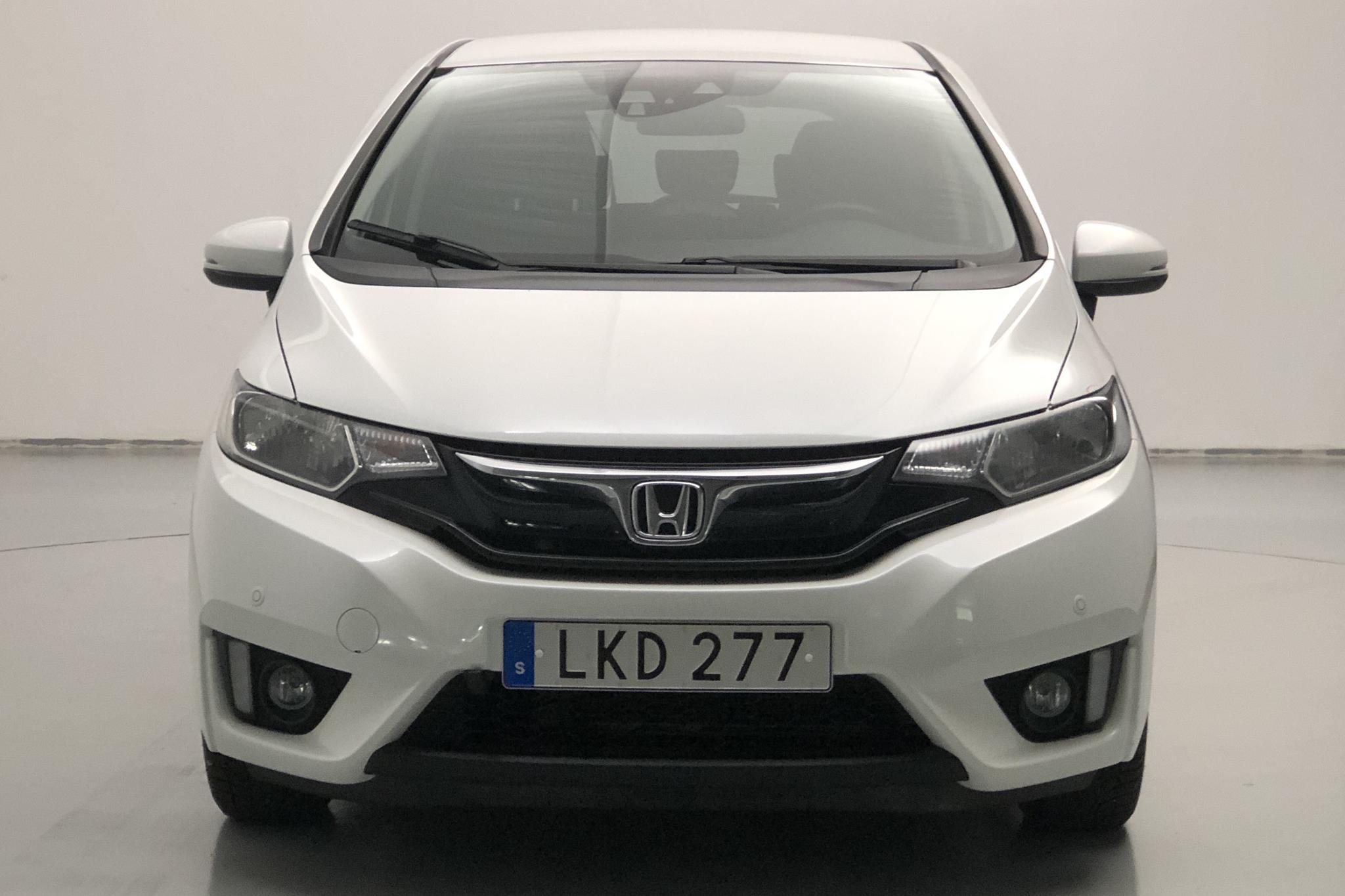Honda Jazz 1.3 (102hk) - 71 200 km - Automatic - white - 2016