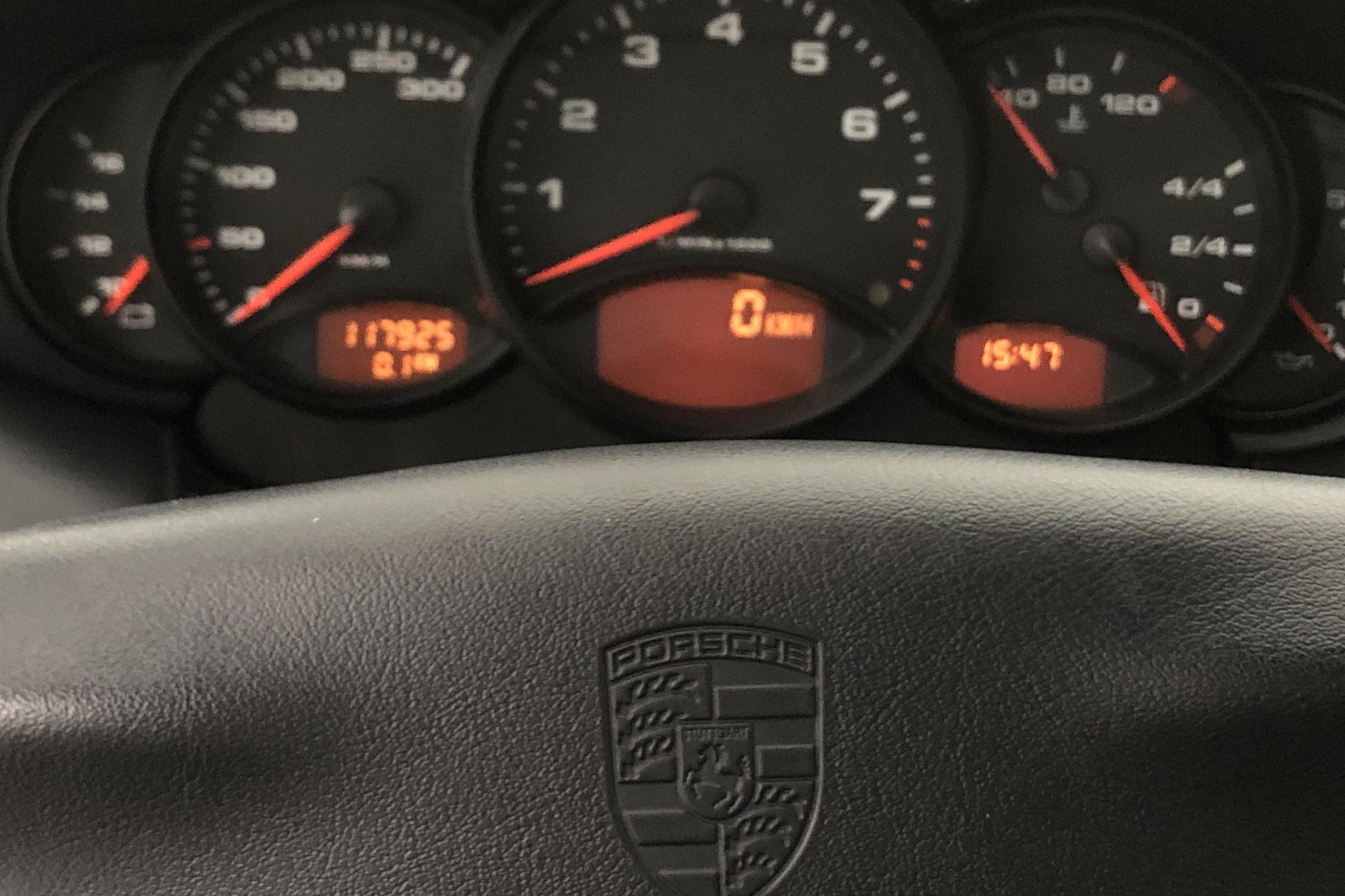 Porsche 911/996 Carrera 3.4 Coupé (301hk) - 11 792 mil - Manuell - silver - 2000