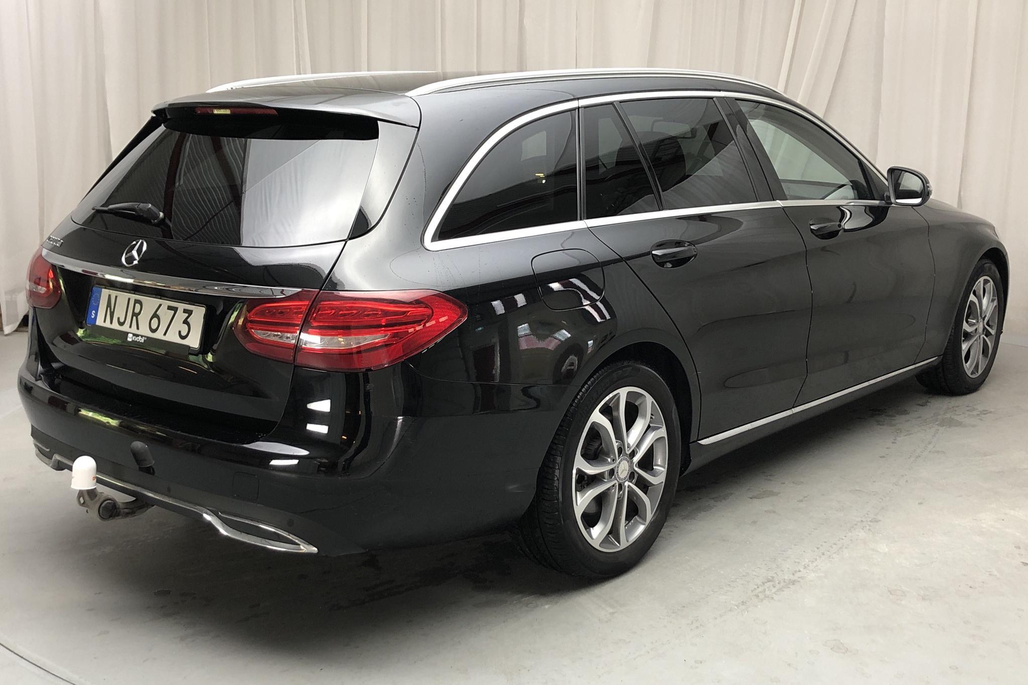 Mercedes C 200 BlueTEC Kombi S205 (136hk) - 107 750 km - Automatic - black - 2016