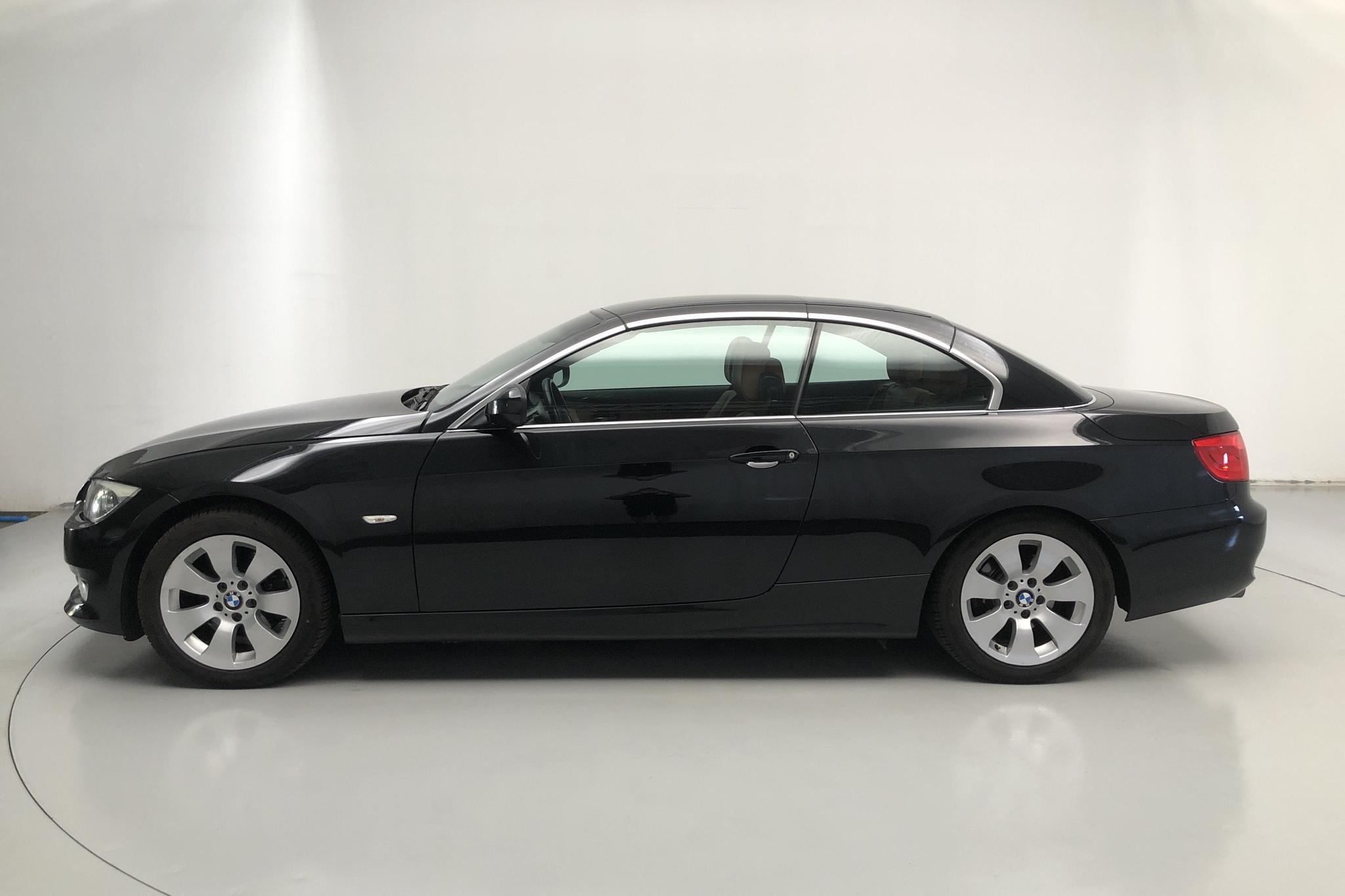 BMW 320d Cabriolet, E93 (184hk) - 100 230 km - Manual - black - 2012
