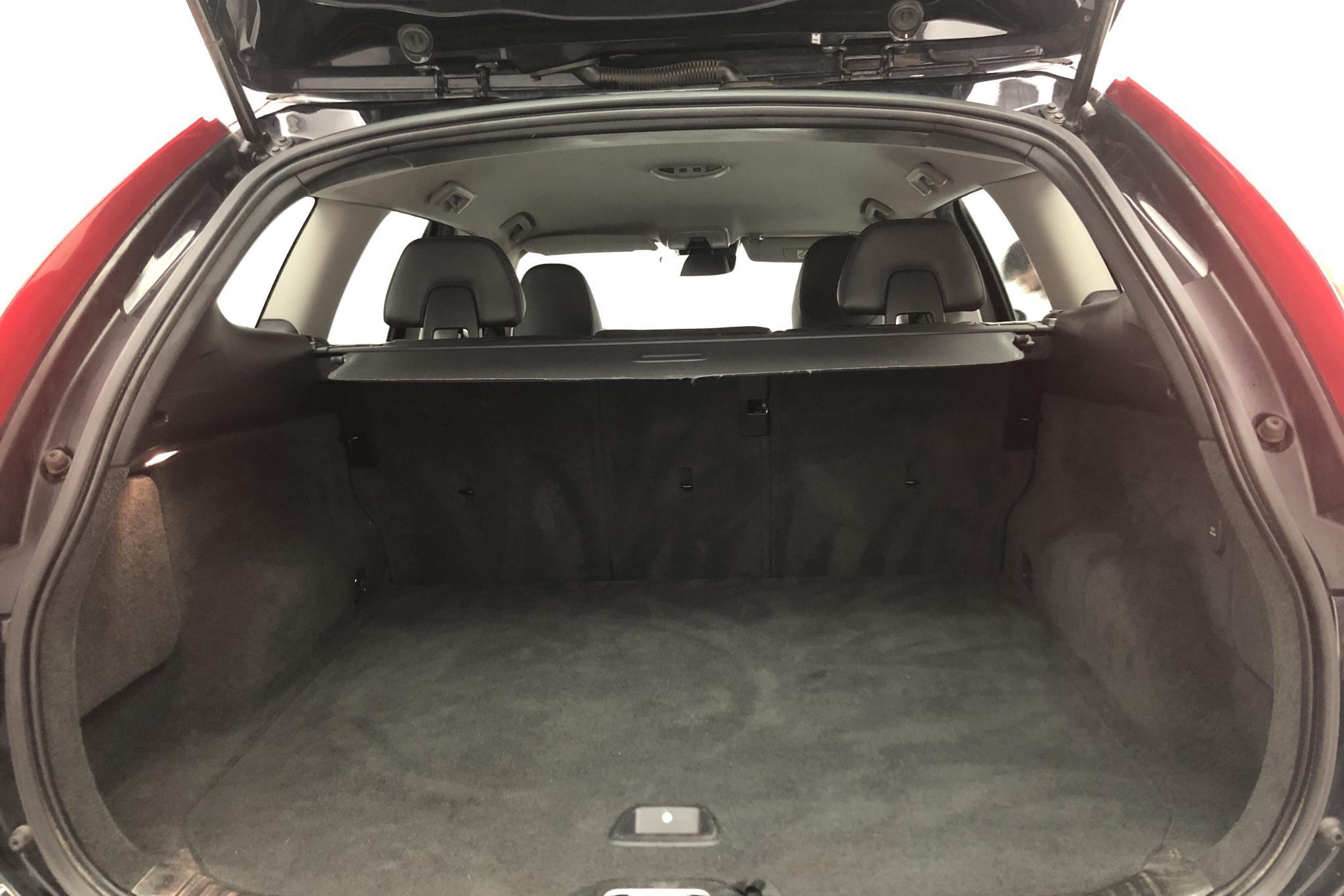 Volvo XC60 D4 AWD (181hk) - 160 550 km - Automatic - black - 2015