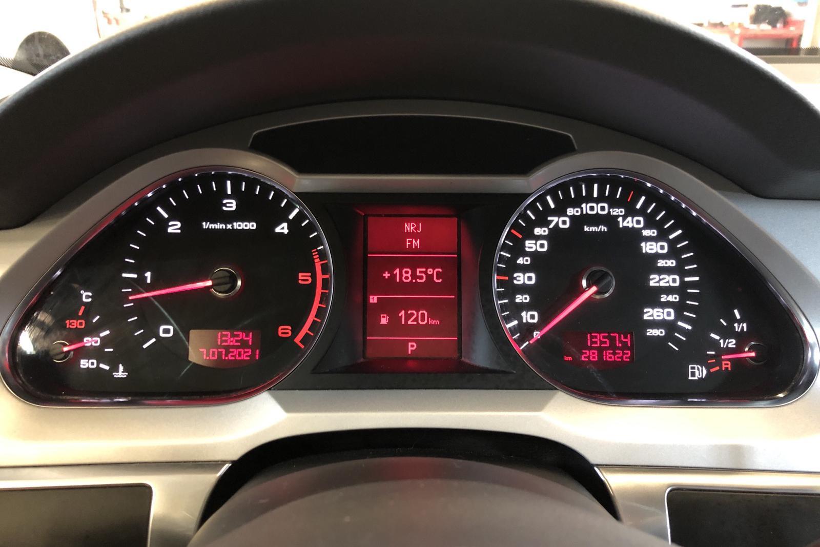 Audi A6 3.0 TDI Avant quattro (240hk) - 281 620 km - Automatic - gray - 2011