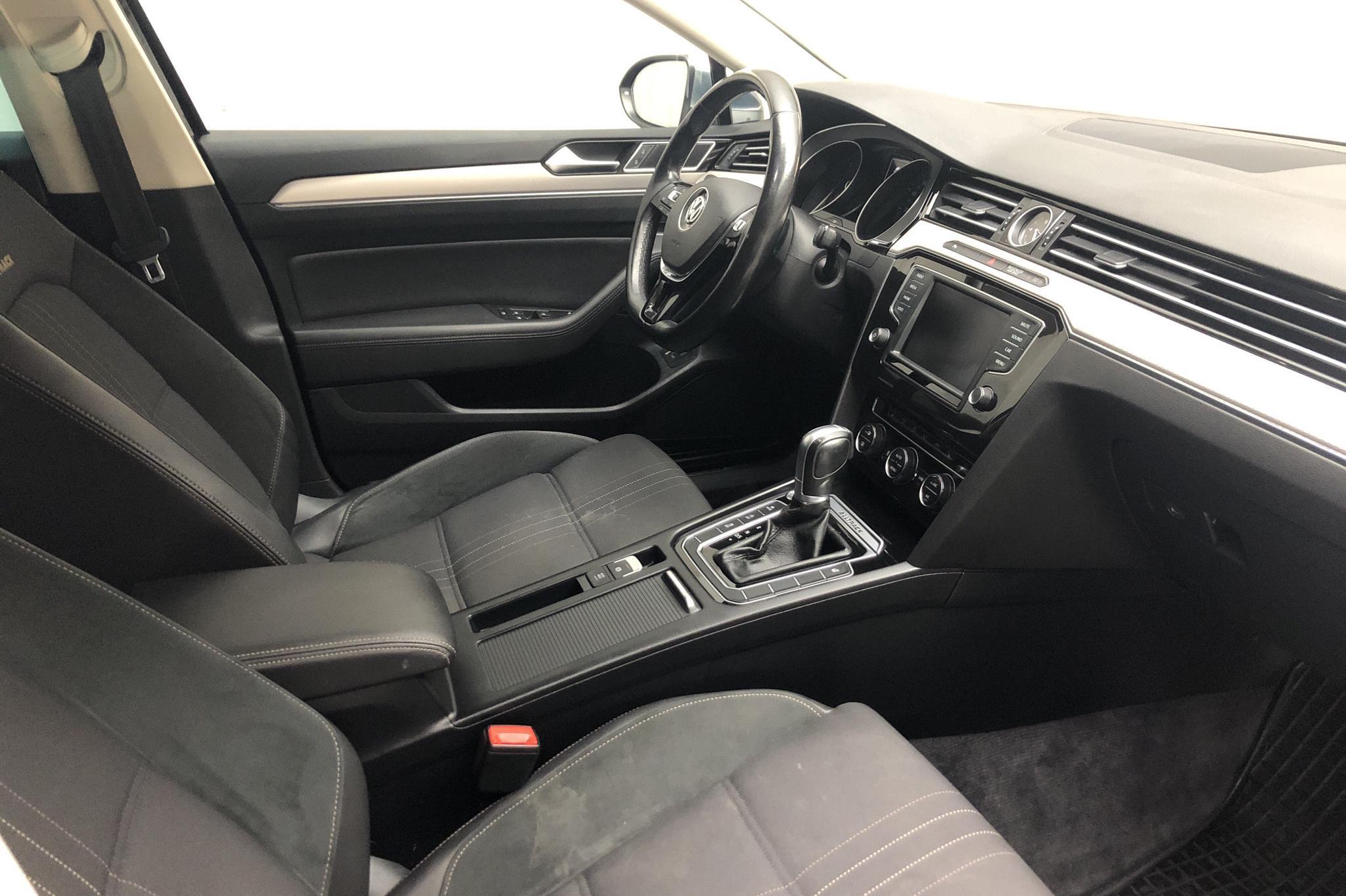 VW Passat Alltrack 2.0 TDI Sportscombi 4MOTION (190hk) - 19 063 mil - Automat - svart - 2017