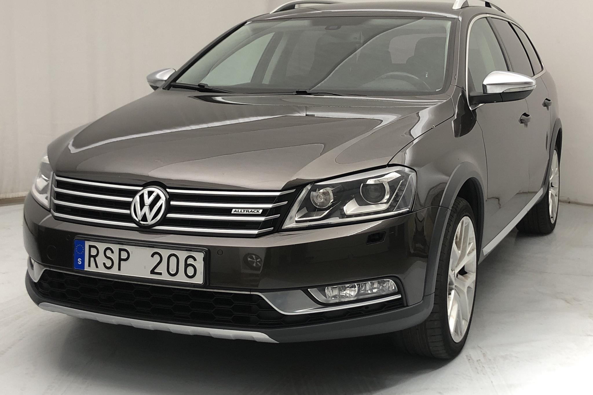 VW Passat Alltrack 2.0 TFSI BlueMotion Technology 4Motion (211hk) - 12 158 mil - Automat - Dark Red - 2014