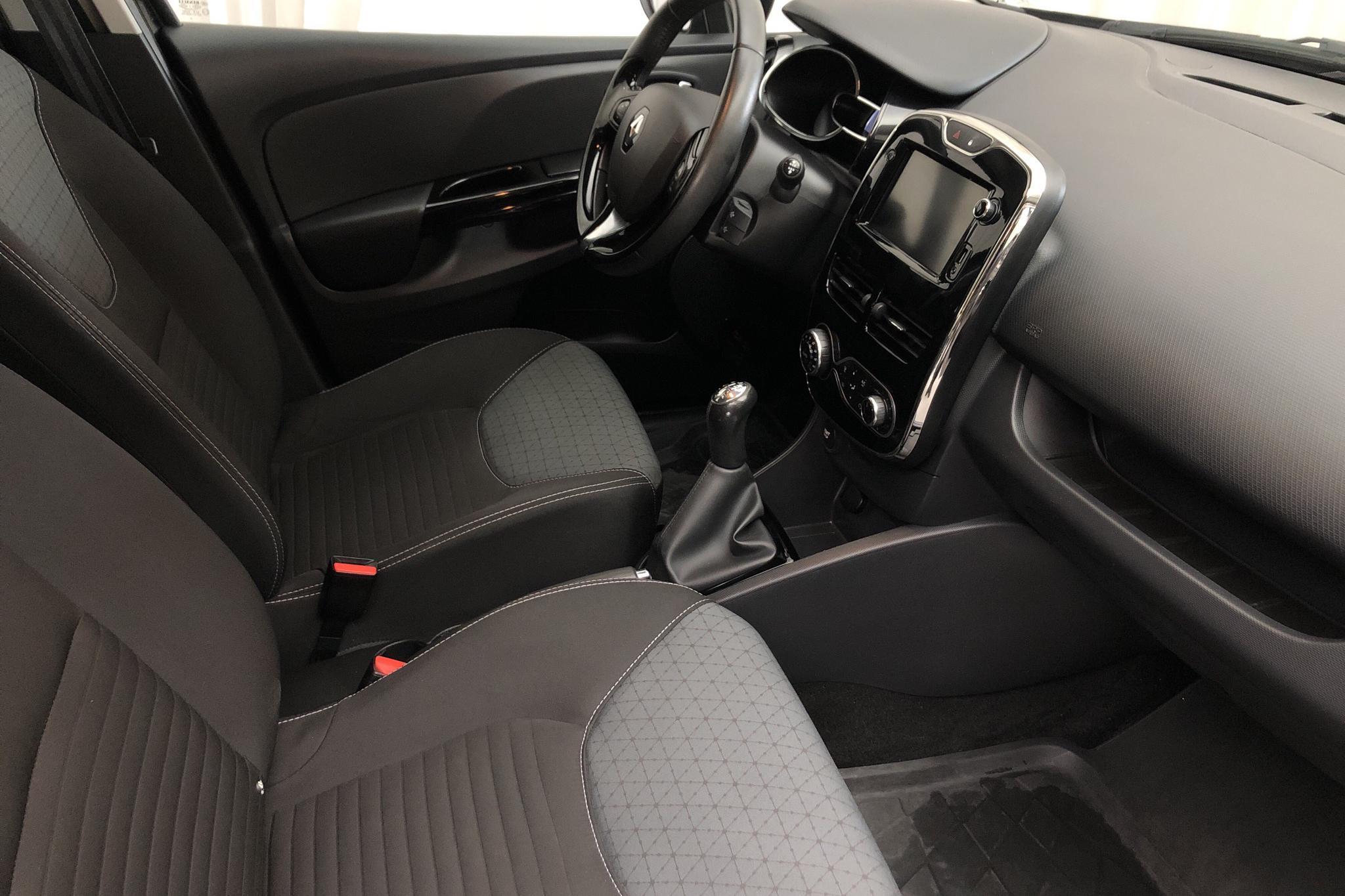 Renault Clio IV 0.9 TCe 90 5dr (90hk) - 56 080 km - Manual - black - 2014