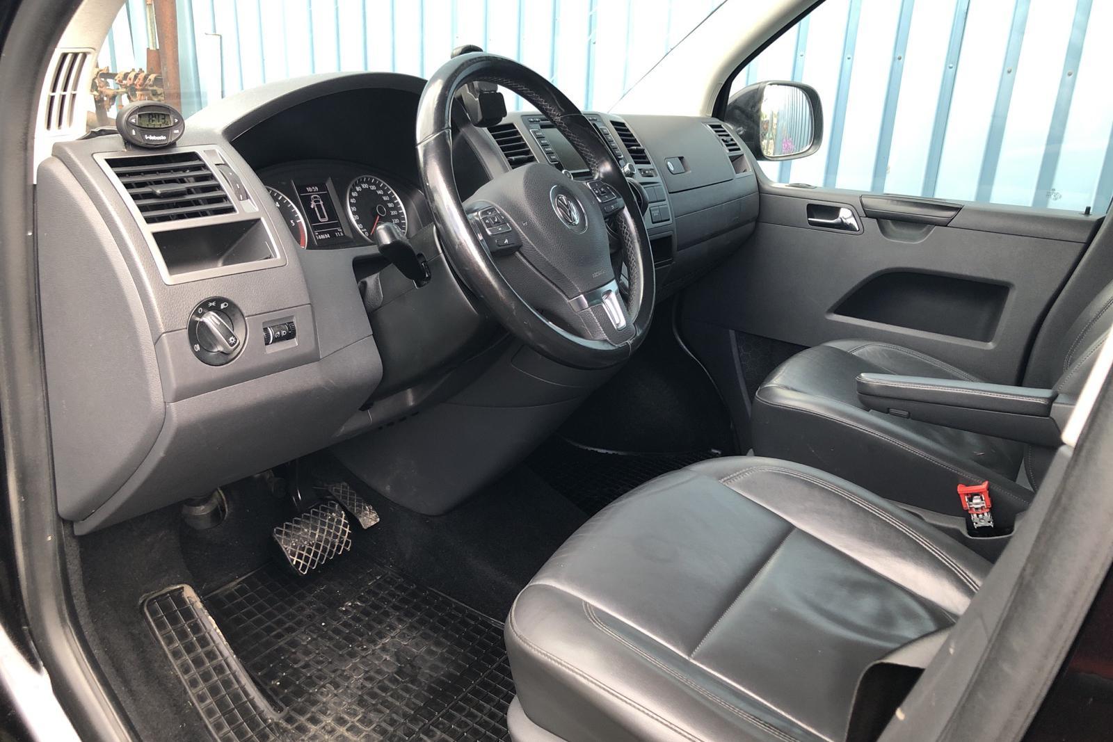 VW Caravelle T5 2.0 TDI (180hk) - 144 690 km - Automatic - black - 2014