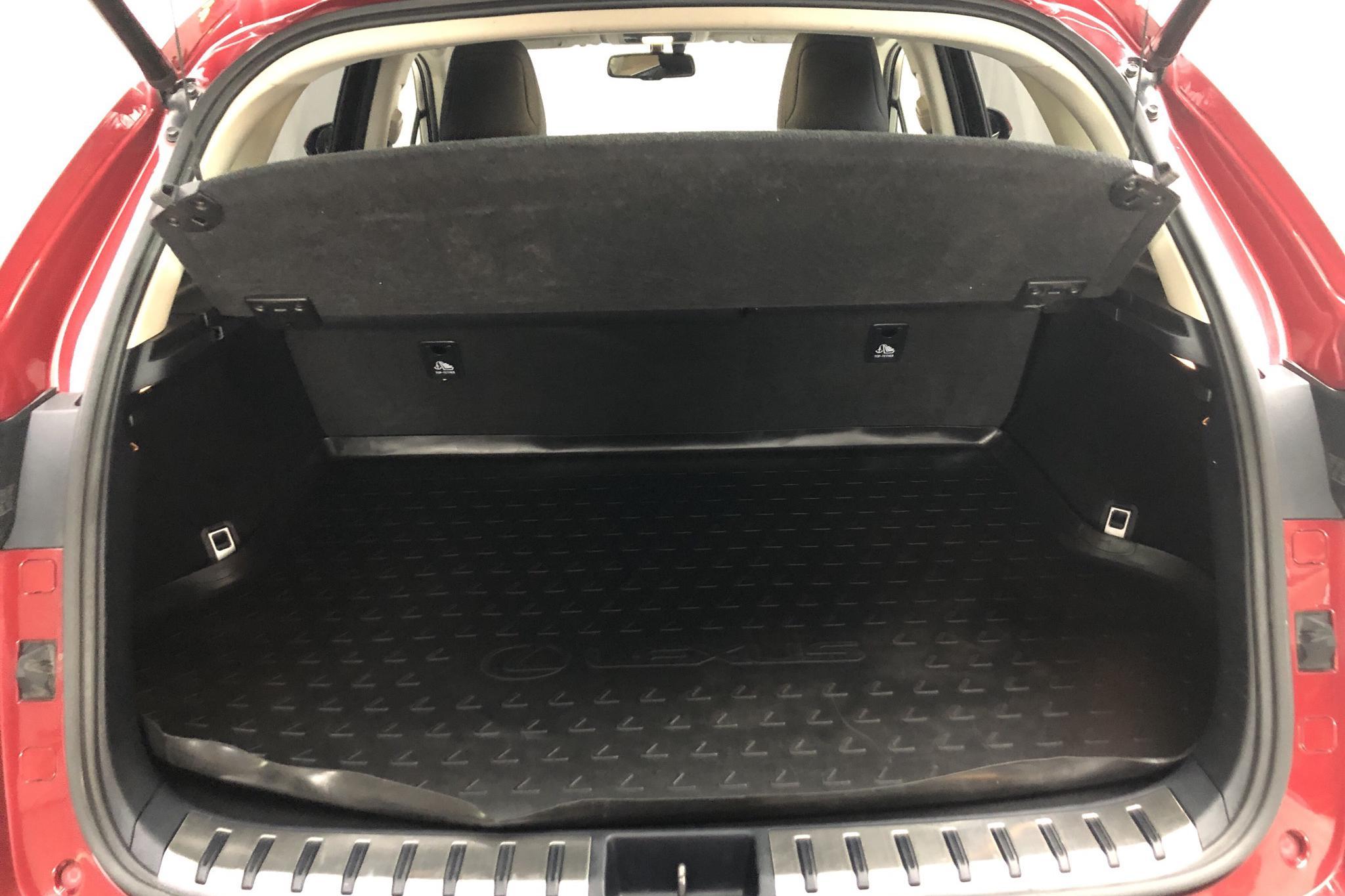 Lexus NX 300h AWD (181hk) - 72 750 km - Automatic - red - 2016