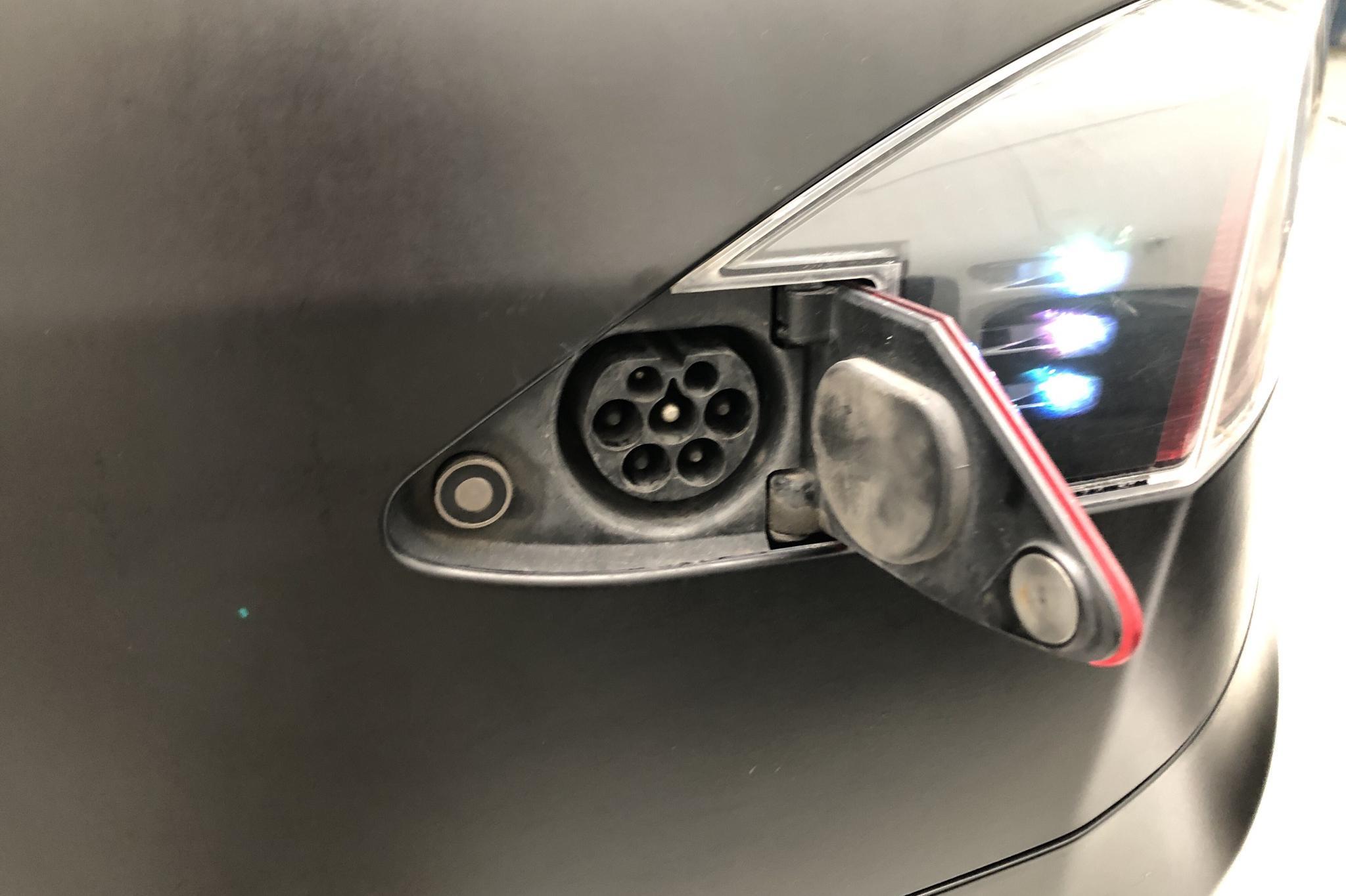 Tesla Model S 85 (367hk) - 138 450 km - Automatic - gray - 2014