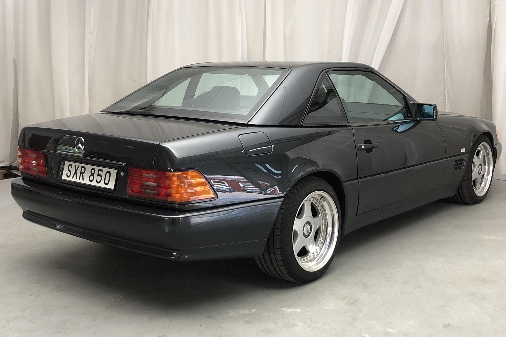 Mercedes SL 500 R129 (320hk) - 13 653 mil - Automat - svart - 1993