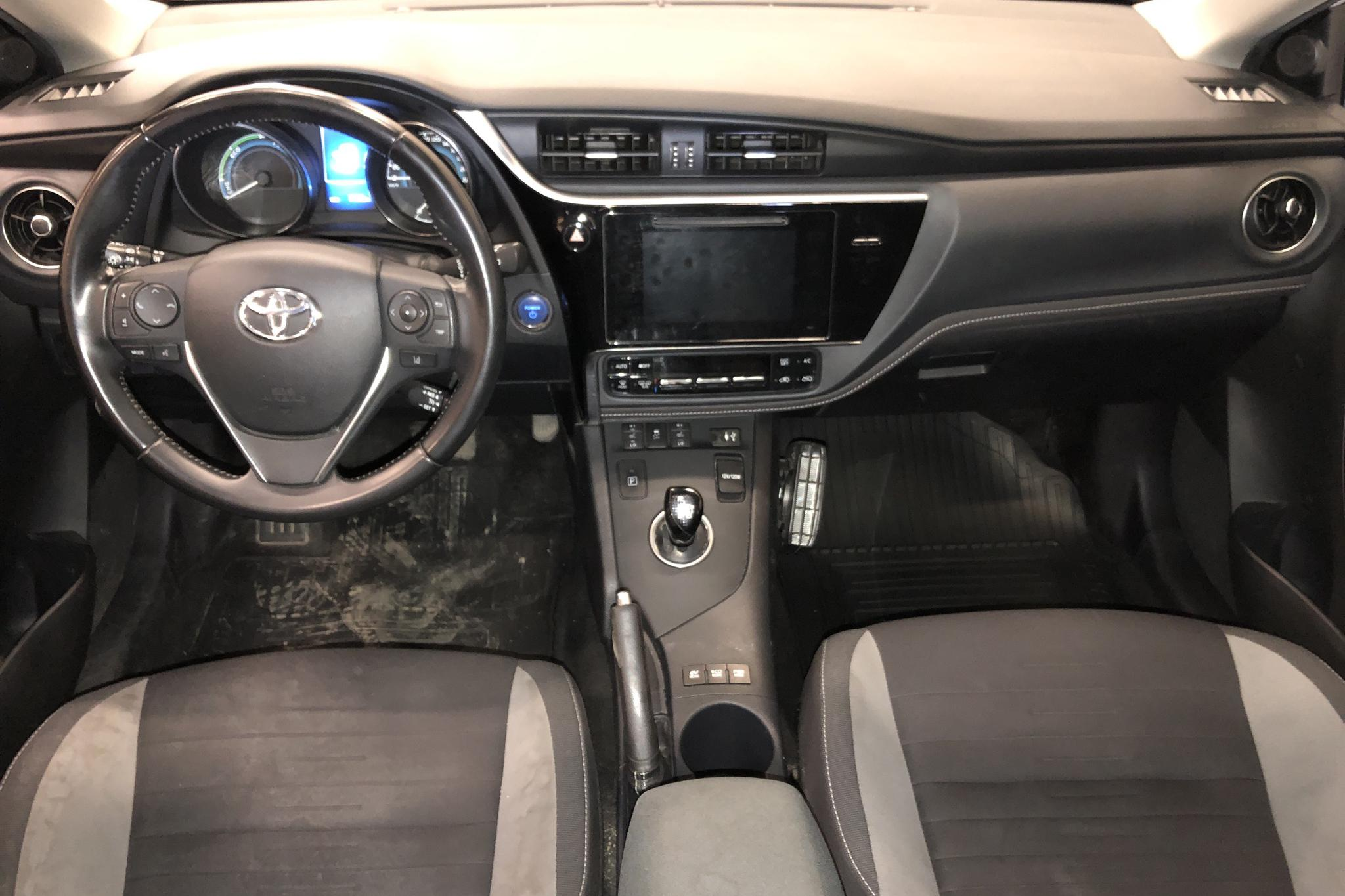 Toyota Auris 1.8 HSD 5dr (99hk) - 7 120 mil - Automat - vit - 2016