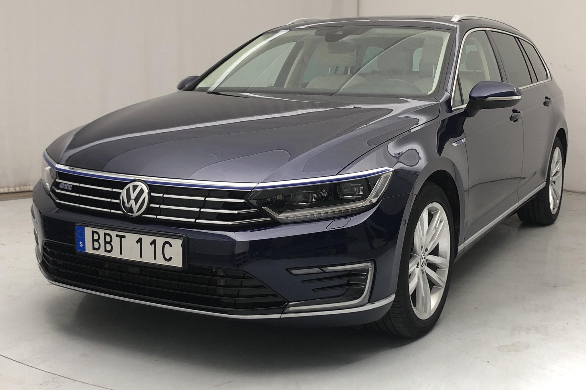 VW Passat 1.4 Plug-in-Hybrid Sportscombi (218hk) - 31 070 km - Automatic - Dark Blue - 2018