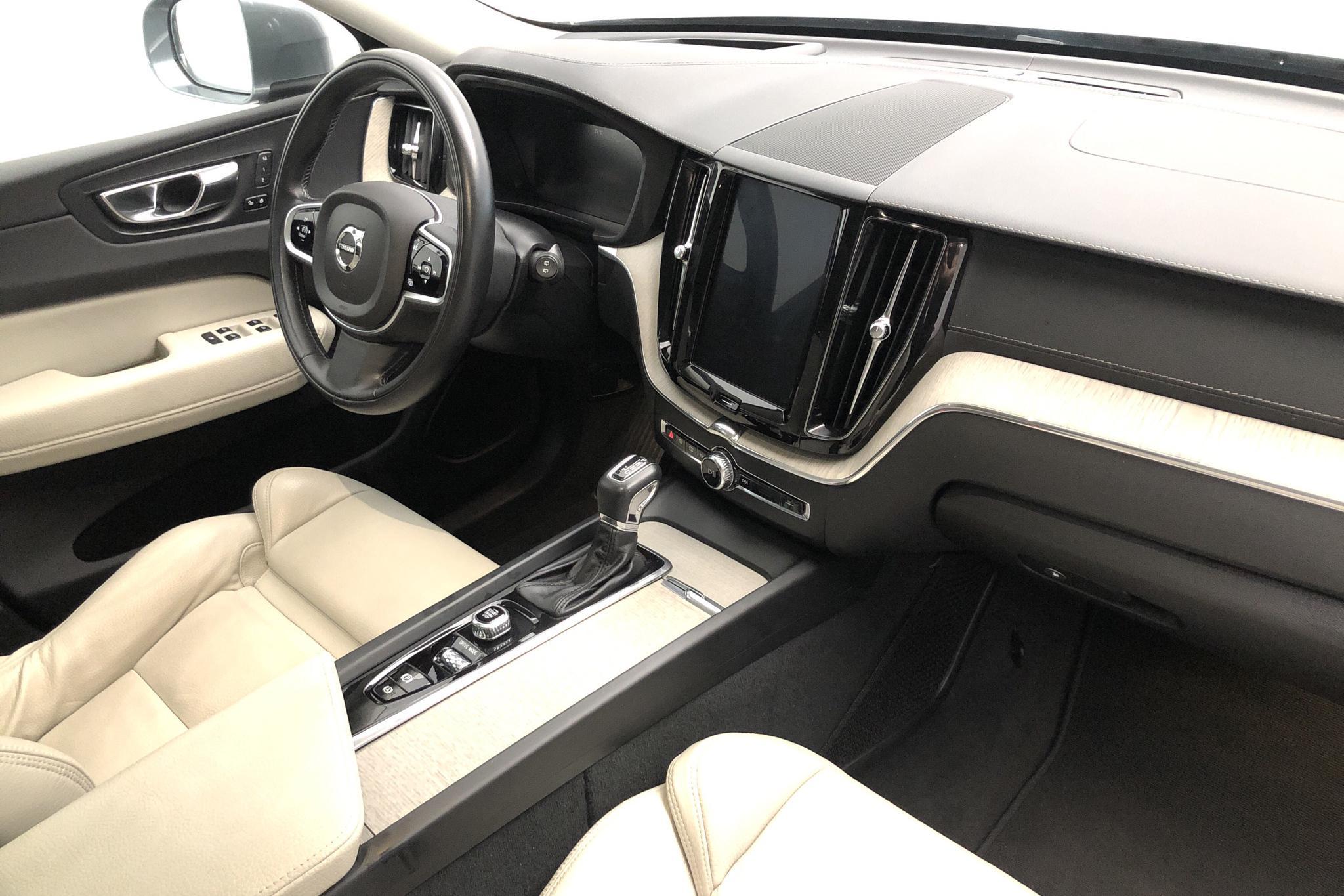 Volvo XC60 D4 AWD (190hk) - 68 180 km - Automatic - gray - 2019