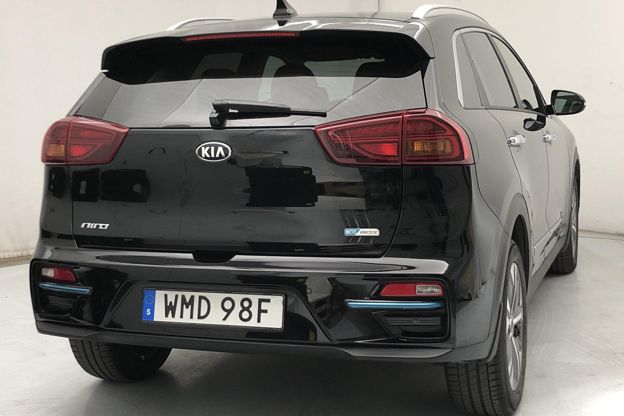 KIA Niro EV 64 kWh (204hk) - 4 296 mil - Automat - svart - 2020