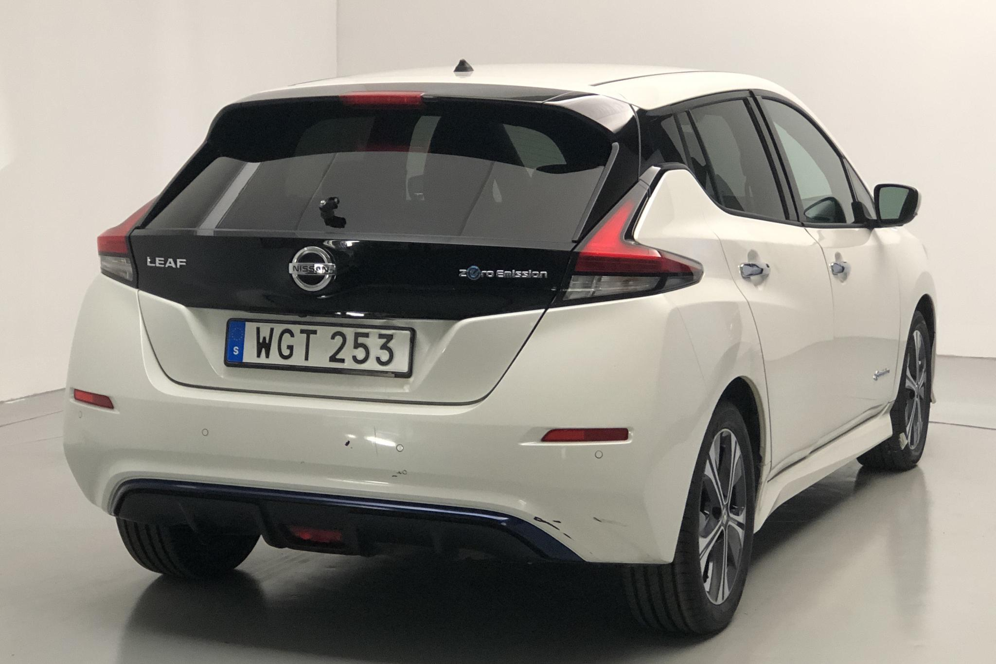 Nissan LEAF 5dr 40 kWh (150hk) - 40 820 km - Automatic - white - 2018