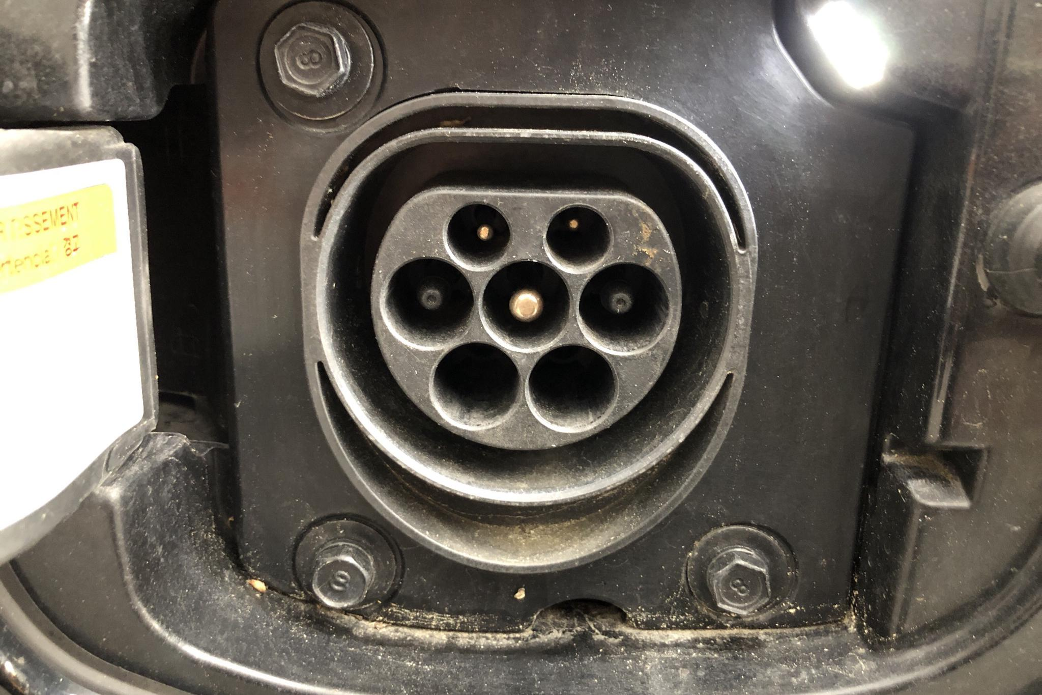 KIA Niro Plug-in Hybrid 1.6 (141hk) - 7 546 mil - Automat - svart - 2018