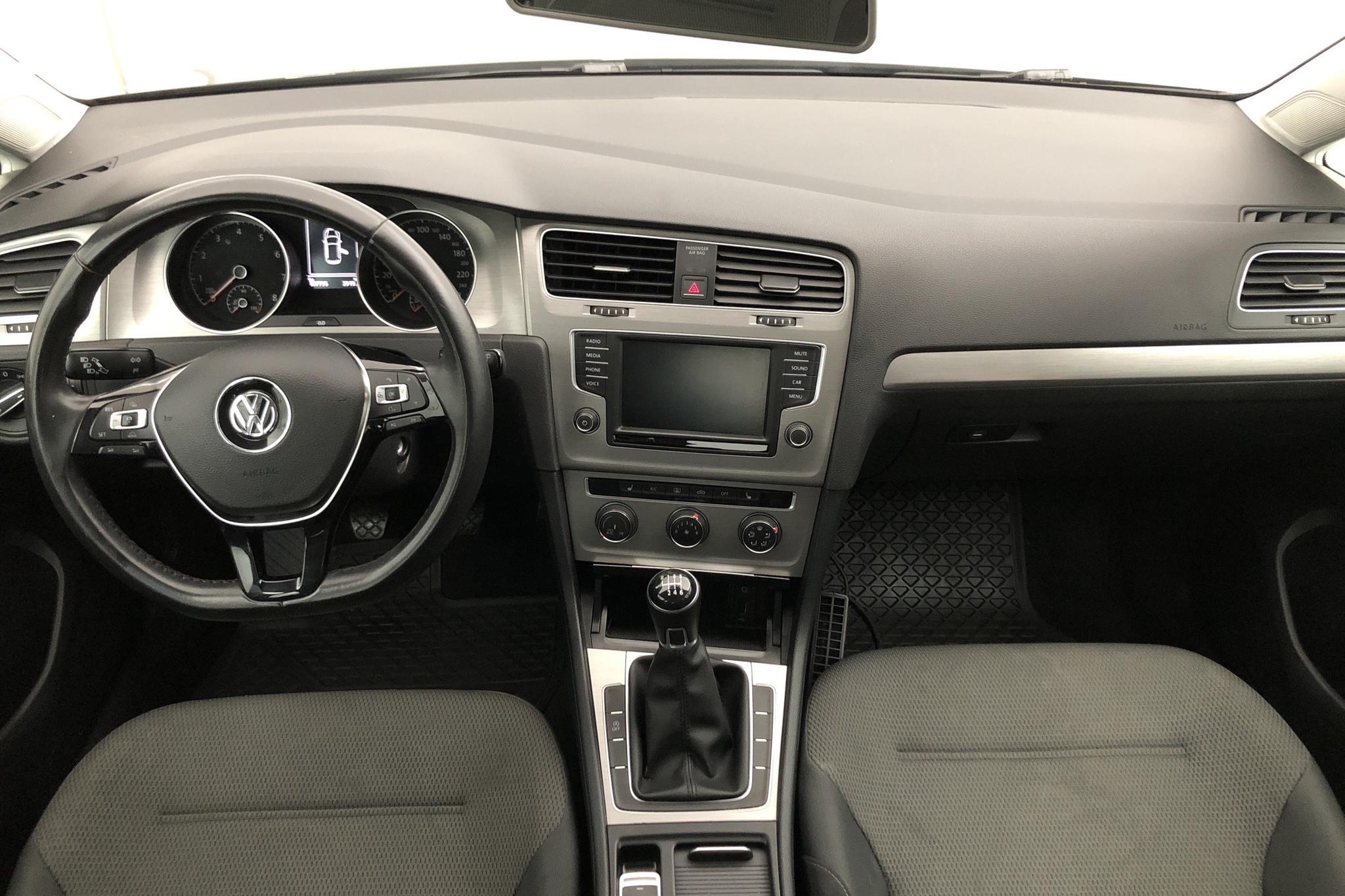 VW Golf VII 1.2 TSI 5dr (110hk) - 107 790 km - Manual - black - 2016